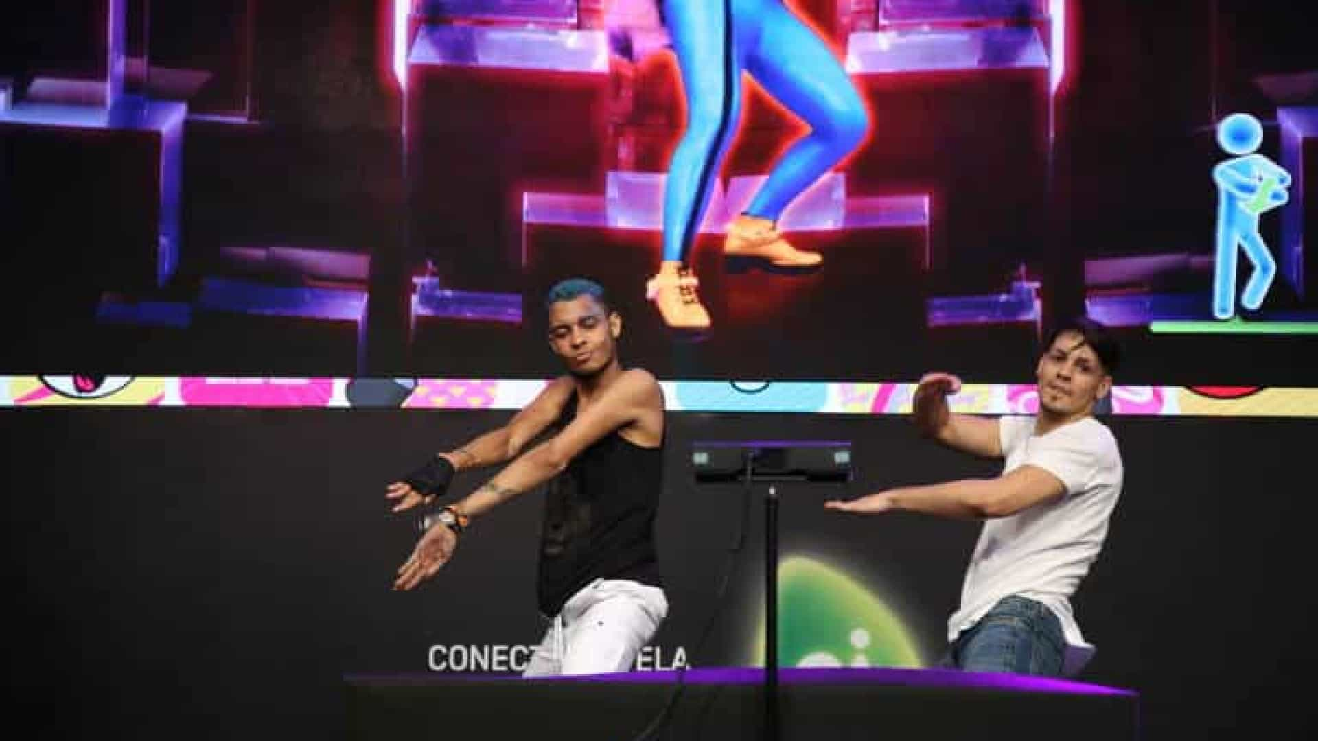 Brasileiro e chilena vencem campeonato latino-americano de 'Just Dance'