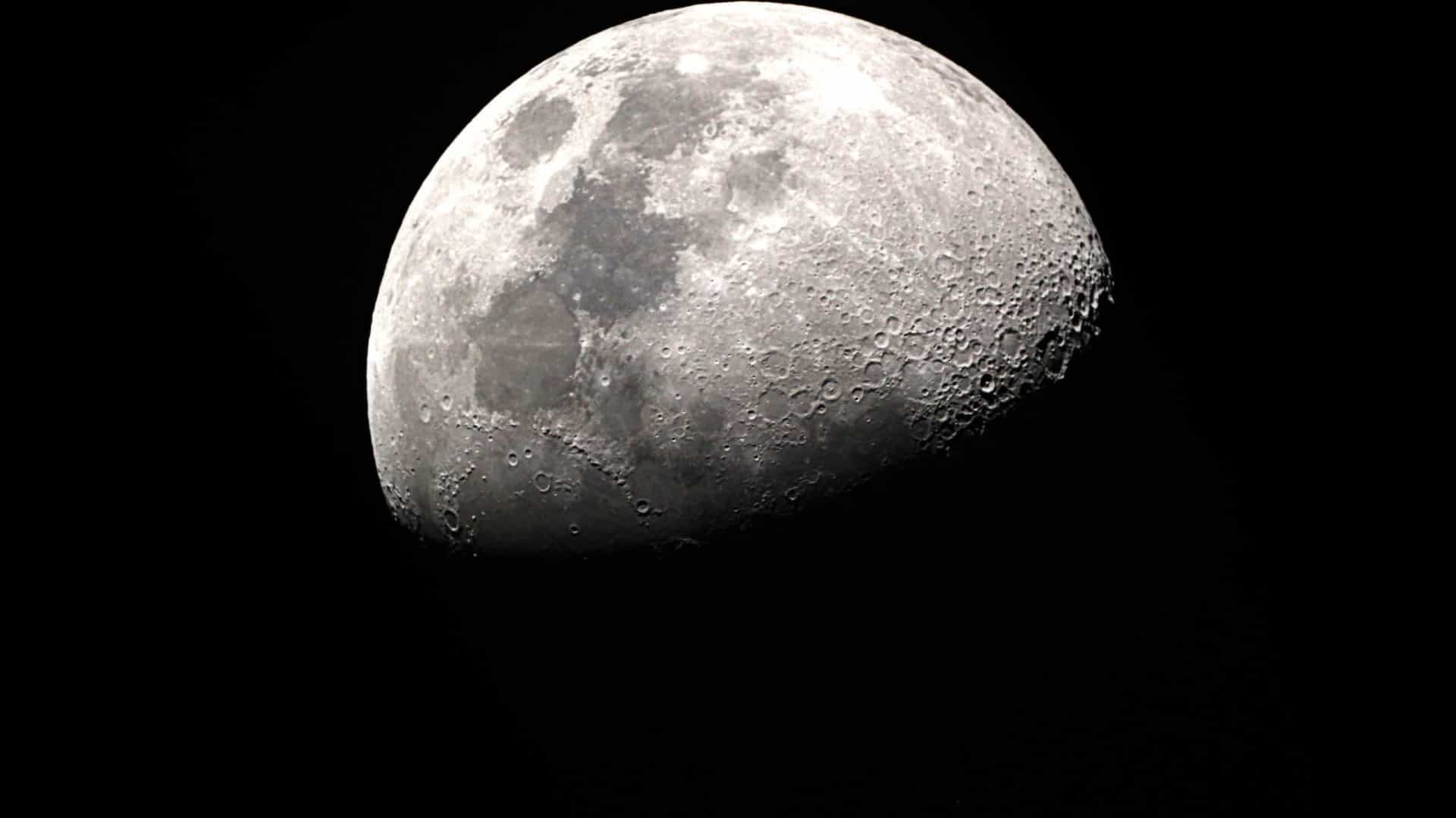 NASA confirma a existência de água na Lua