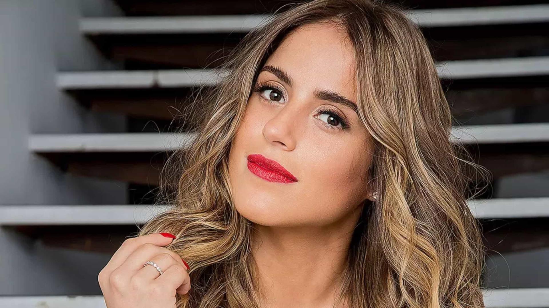 Camilla Camargo se lança como youtuber durante gravidez