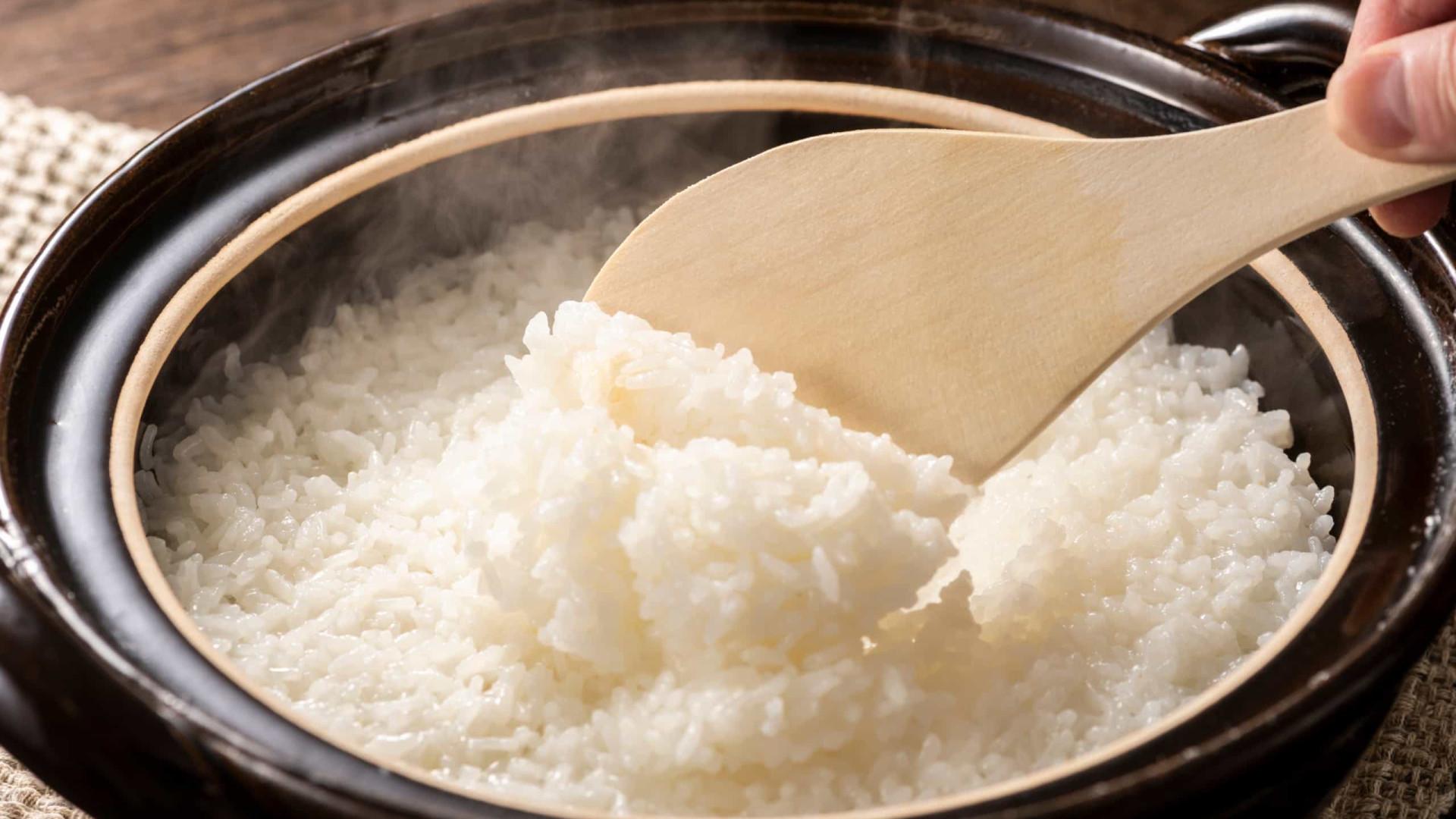 Queimou o arroz? Recupere o sabor com este truque!