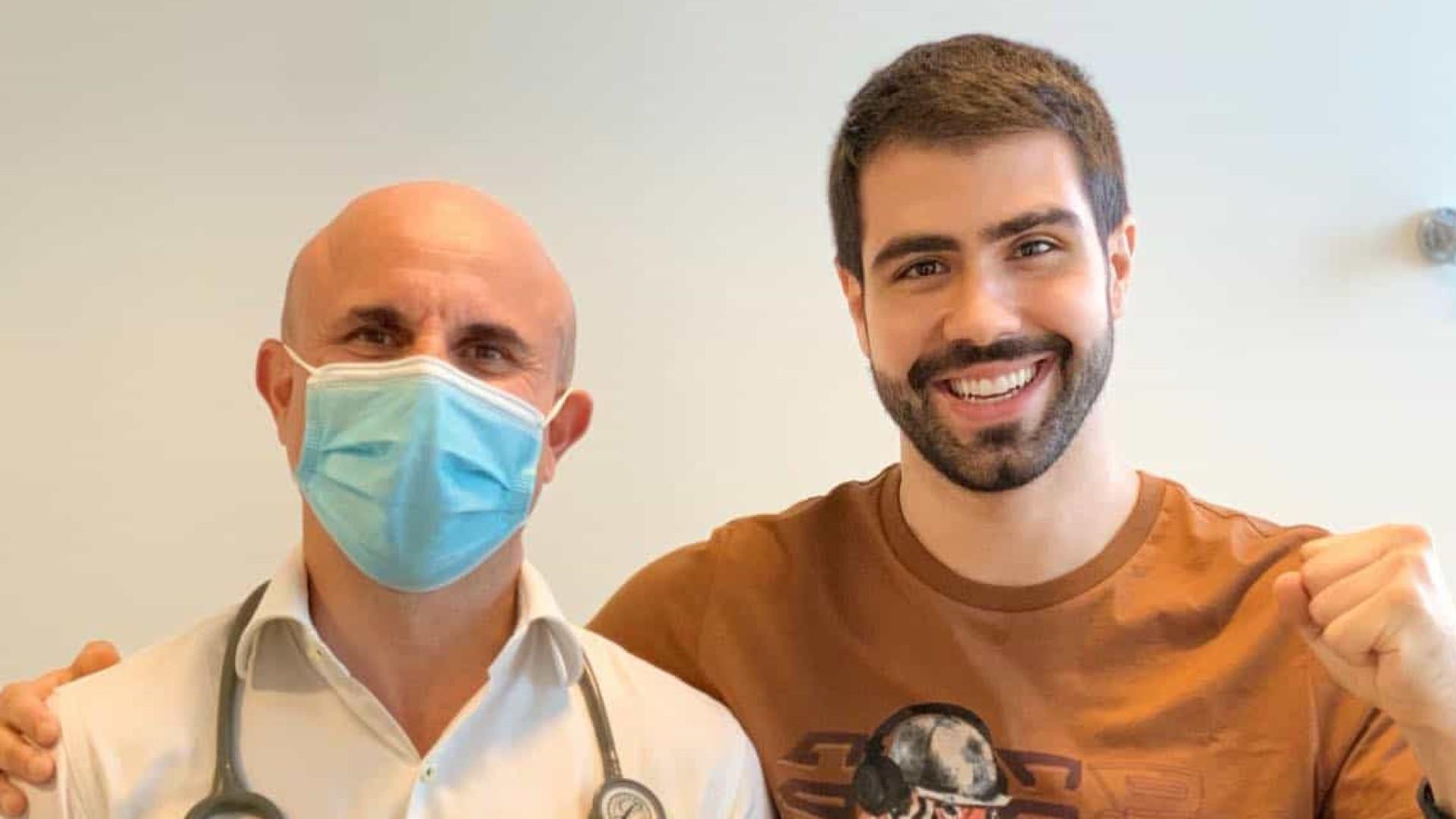 Juliano Laham comemora resultado de cirurgia e diz que está curado de câncer