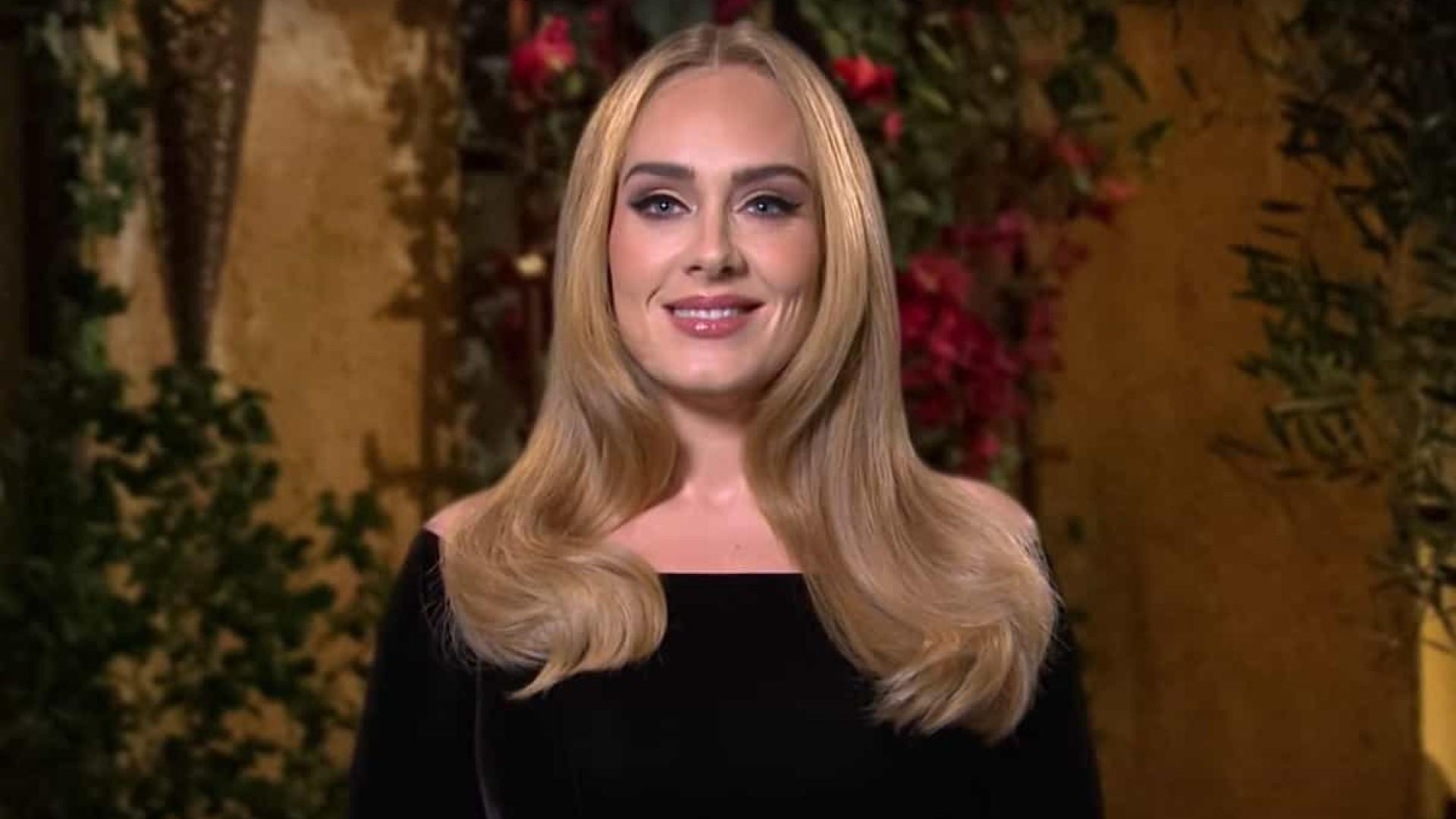 Adele nega que esteja namorando rapper e indica que só volta em 2021
