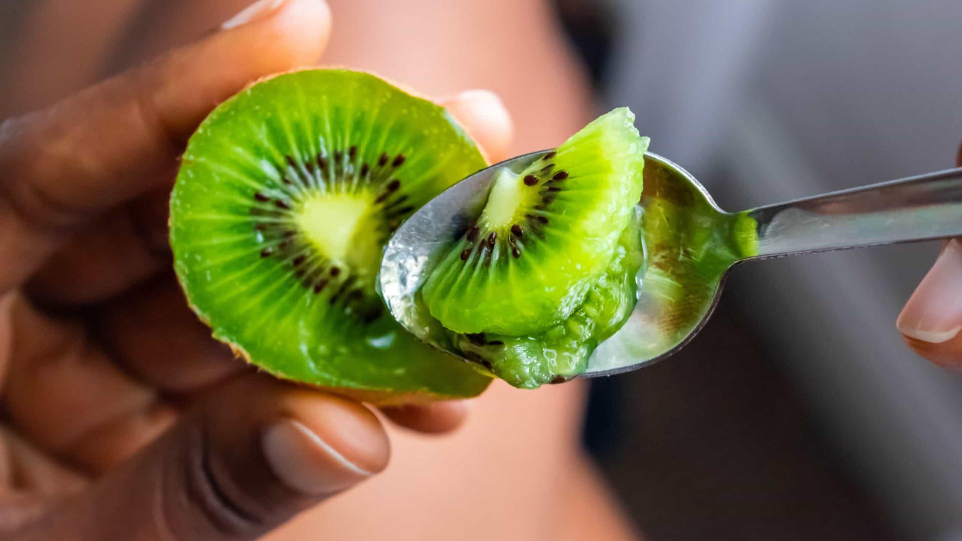 Quatro super frutas que aceleram o metabolismo e emagrecem. Tem em casa?
