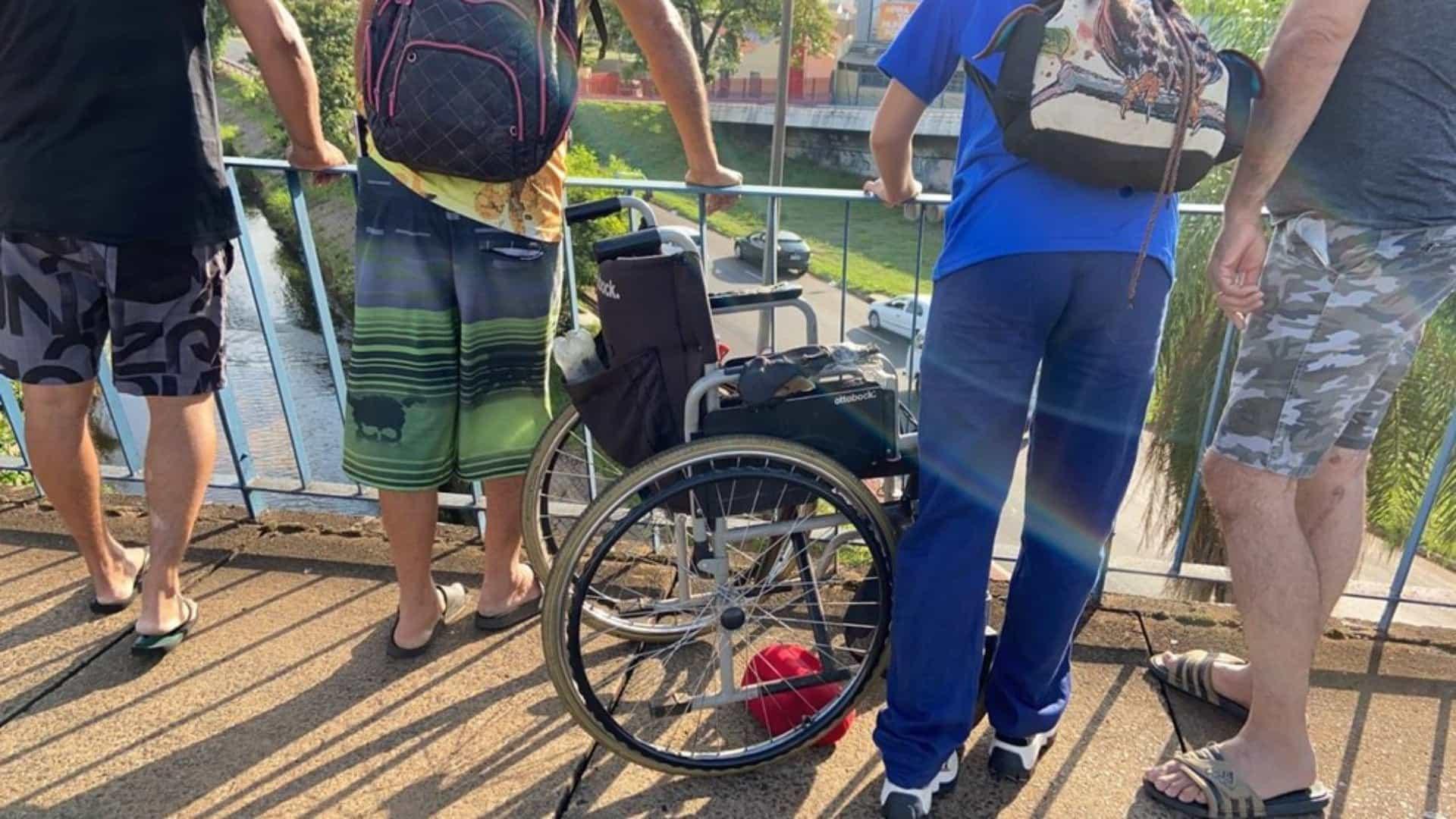 Cadeirante morre ao ser jogado de viaduto em Bauru (SP)