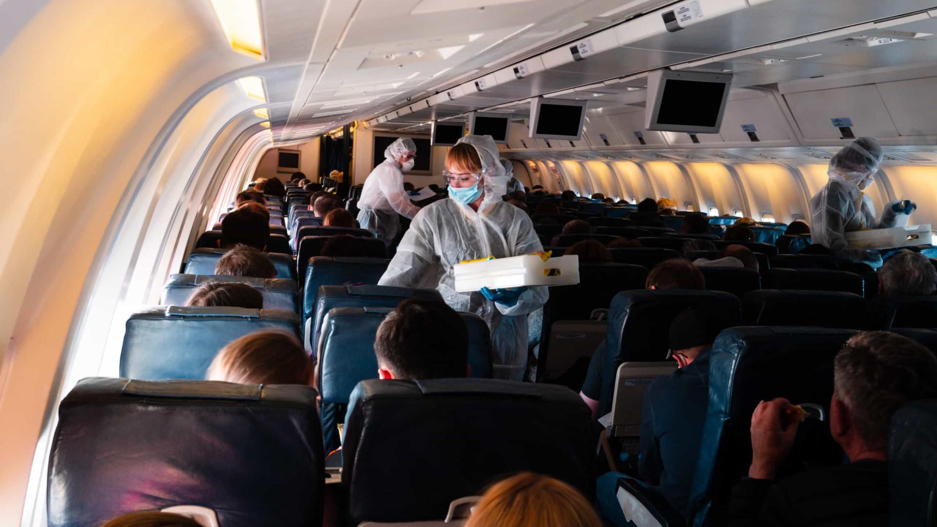 Surto. Apenas um voo provocou 59 casos de Covid-19