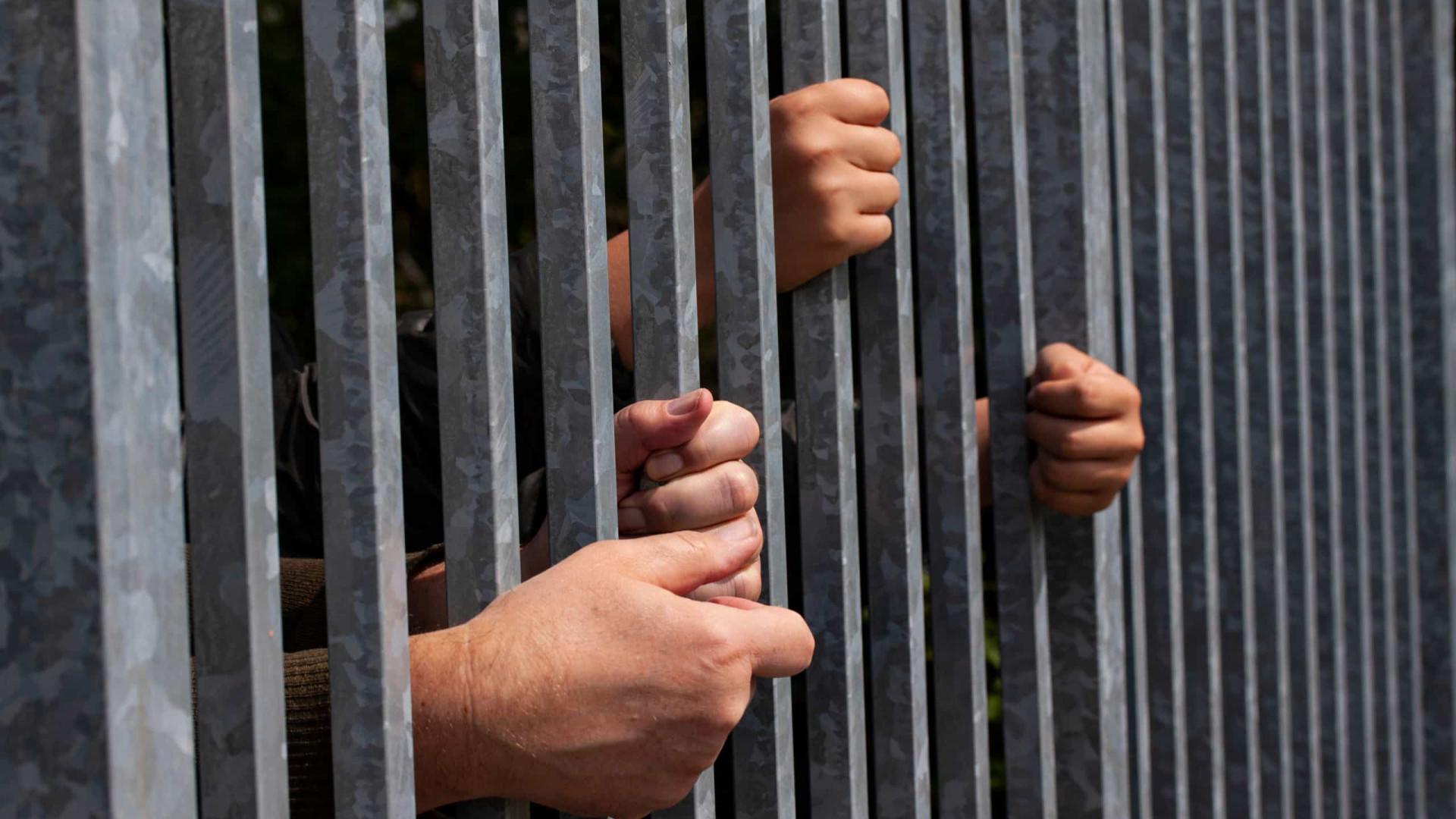 Penitenciária de SP suspende visitas após surto de covid-19