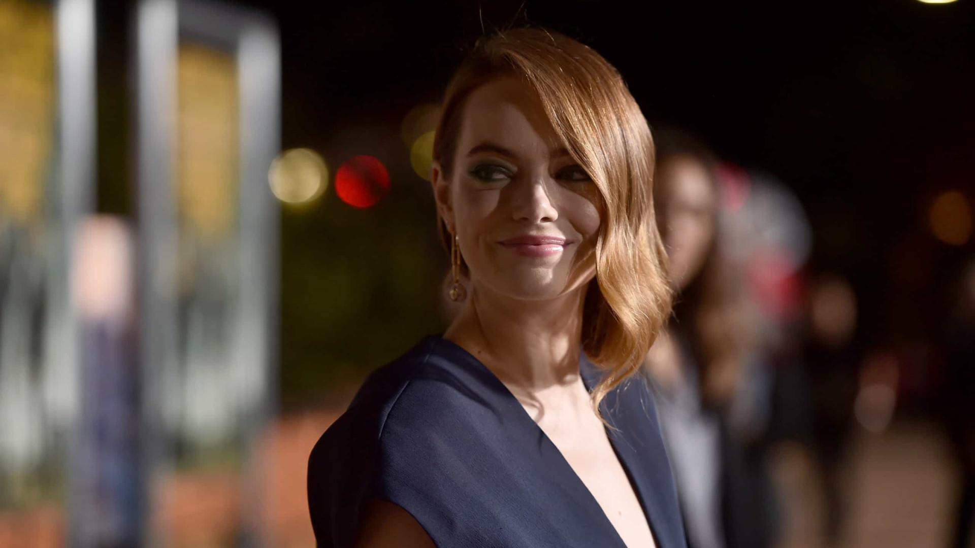 Emma Stone celebra 32.º aniversário. Os melhores look da atriz