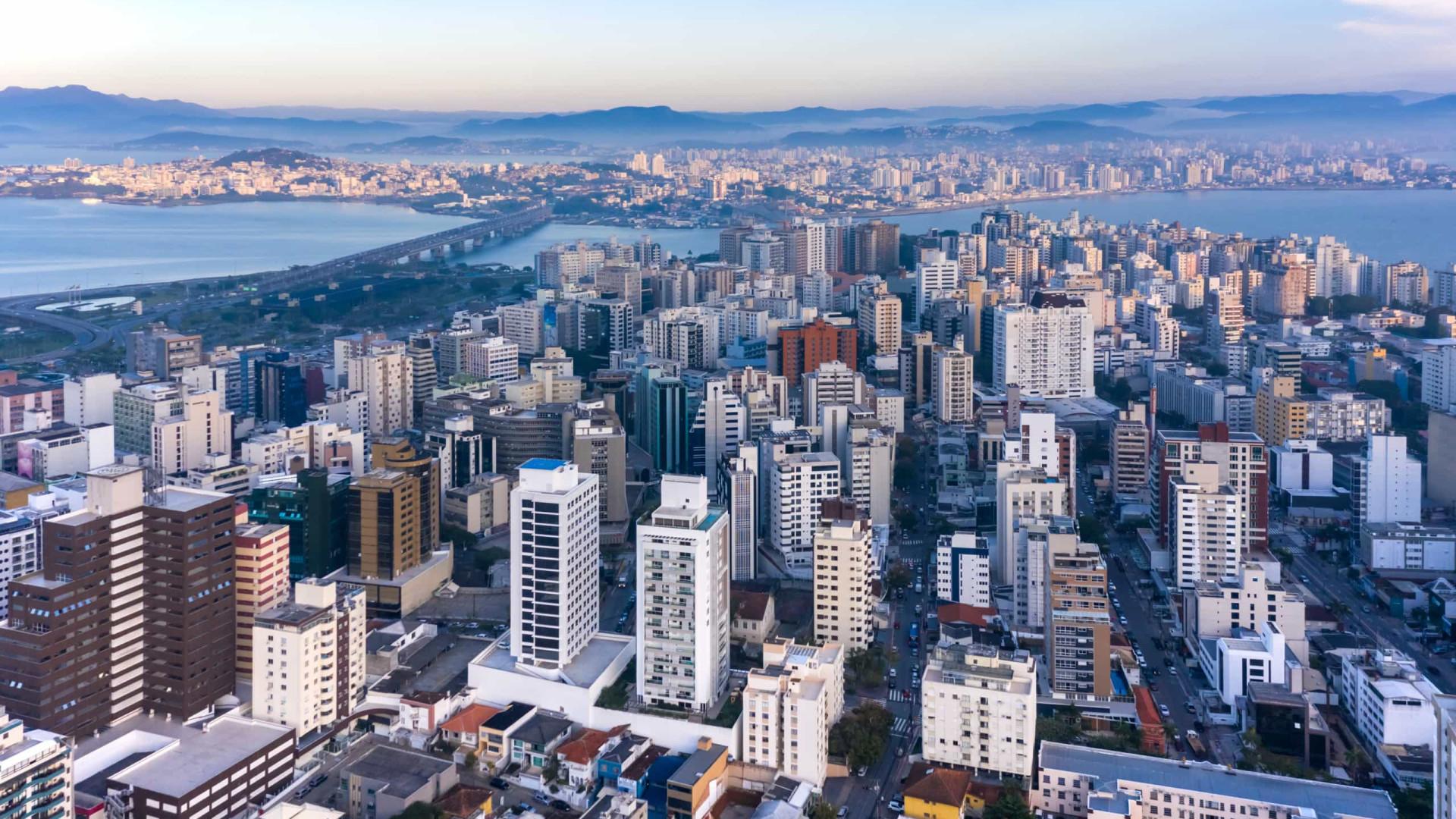 Governo quer vender imóveis na praia e criar 'Cancúns' em Angra e Florianópolis