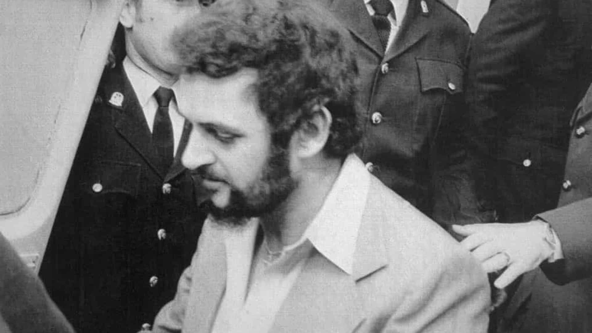 Estripador de Yorkshire, que matou 13 mulheres, morre de Covid-19