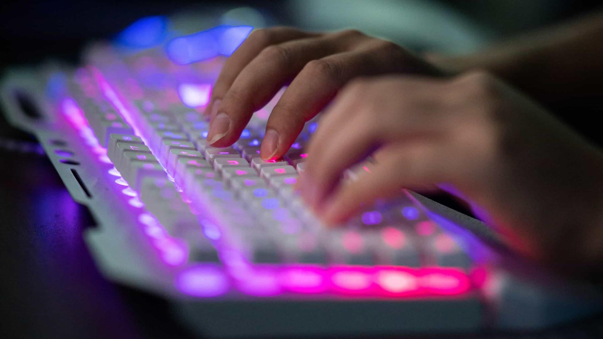 Grupo hacker reivindica ataque a 61 sites no País