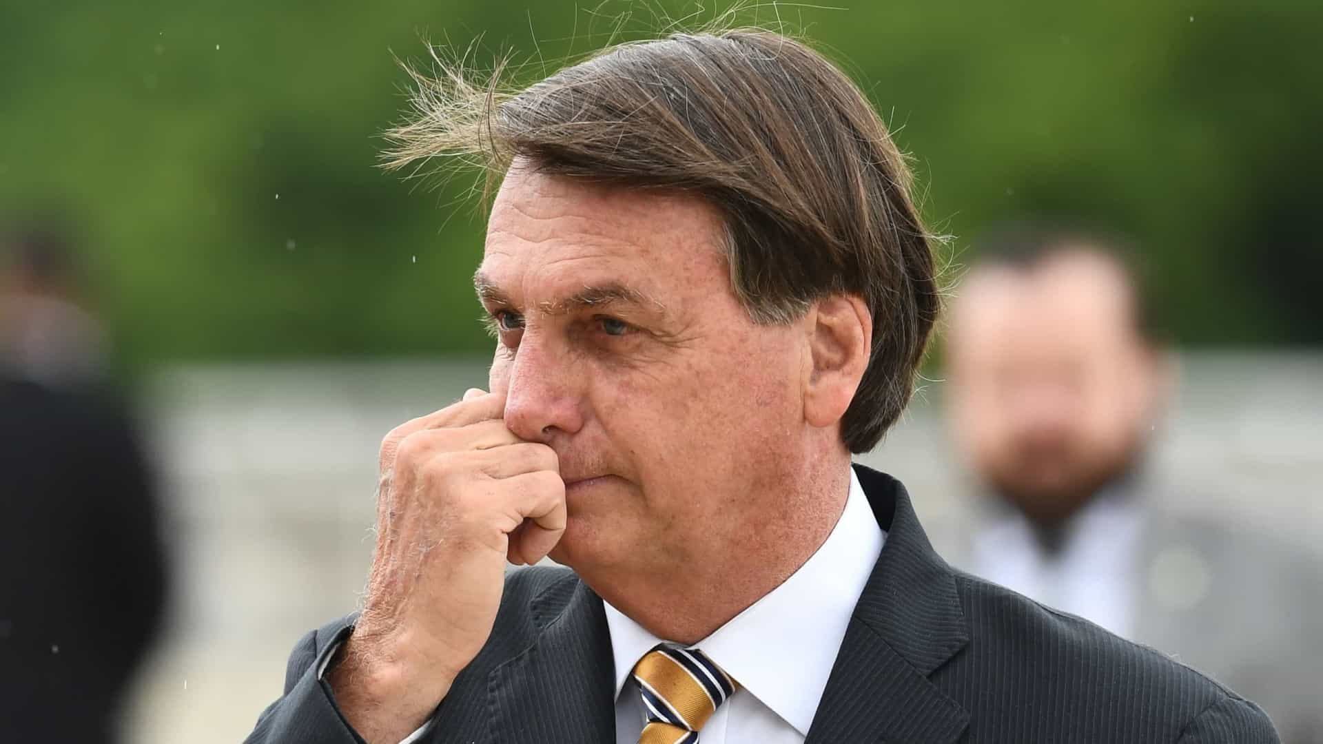 Bolsonaro diz lamentar 'censura às mídias sociais' após reação de redes contra Trump