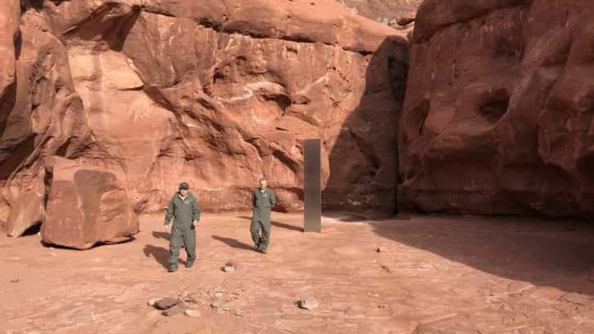 Objeto metálico misterioso é descoberto em zona remota do deserto