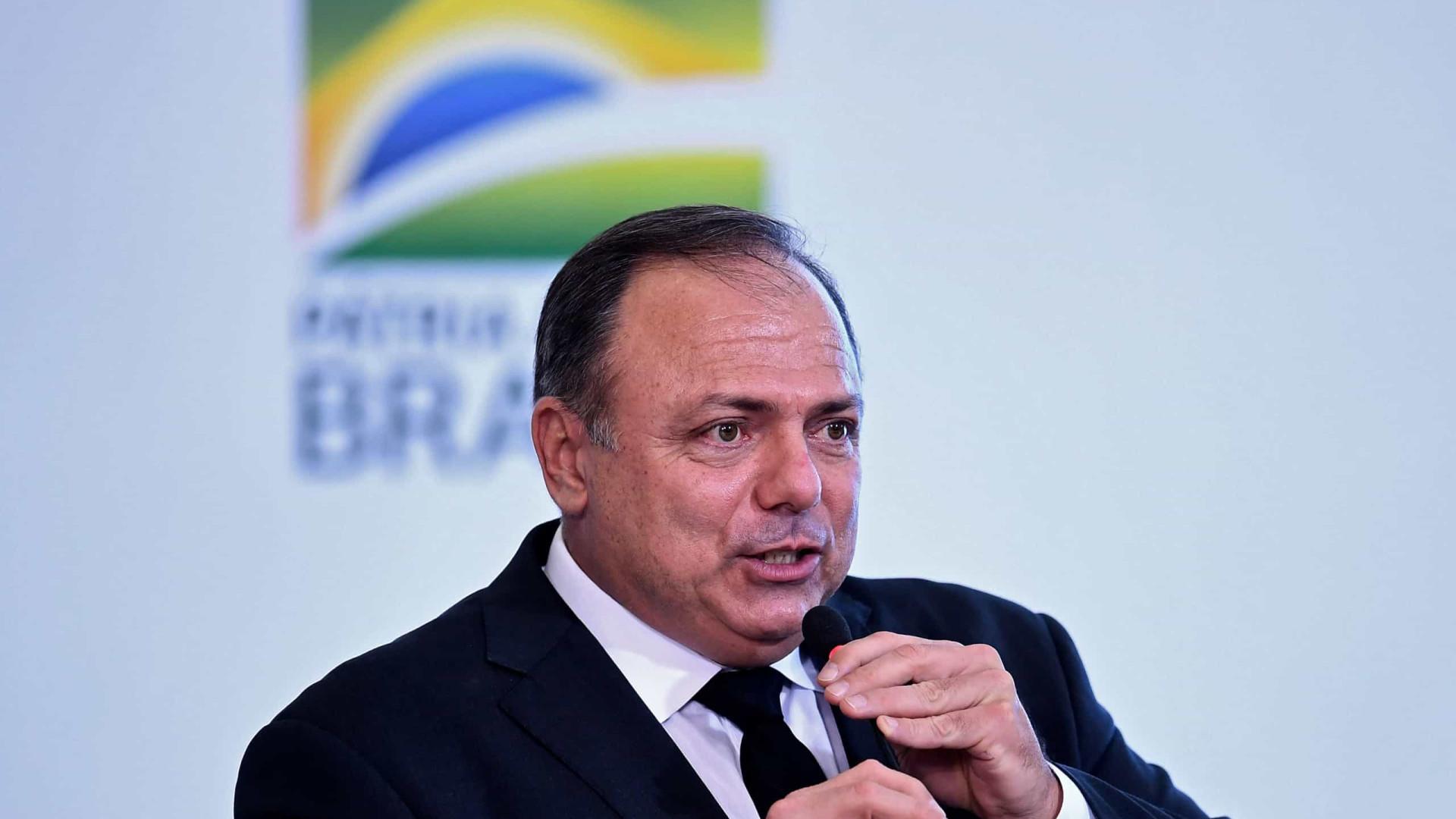 Pazuello diz a prefeitos que vacinação contra covid deve começar em 20 de janeiro