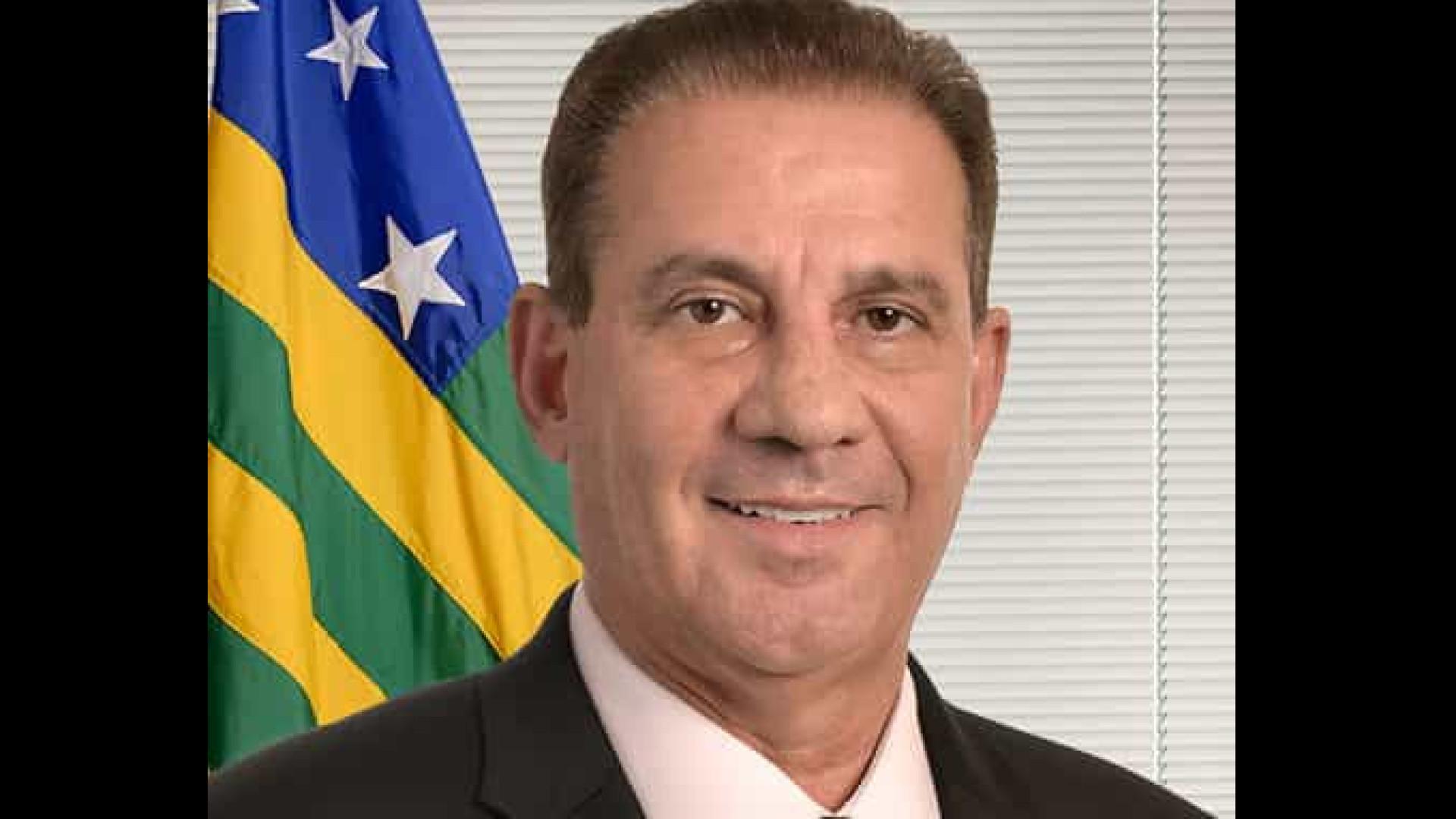 Vanderlan vota em Goiânia com governador Caiado e se diz confiante em vitória
