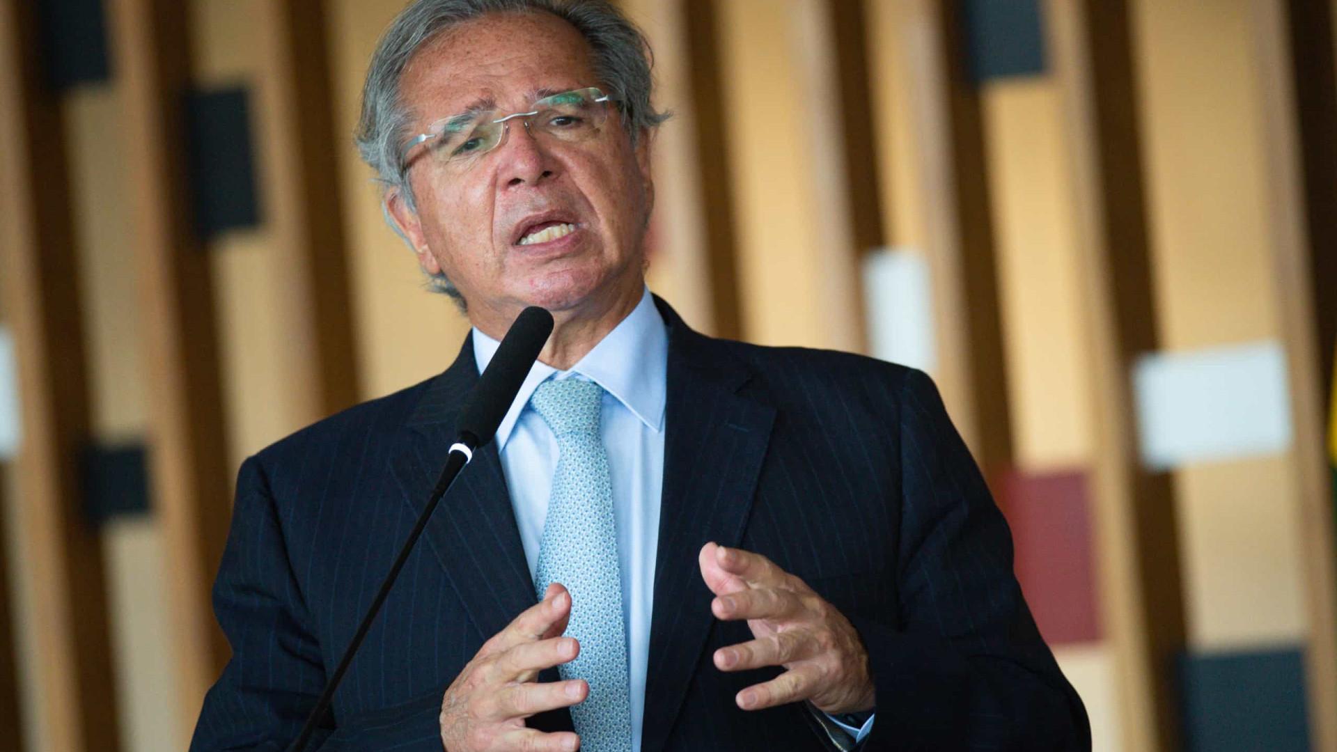 Novo auxílio emergencial só viria com calamidade pública, diz Guedes