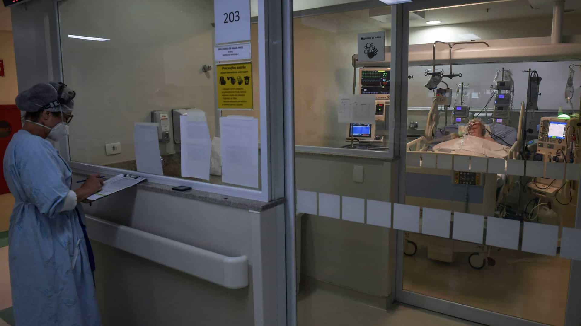 Brasil registra mais de 63 mil novos casos de covid-19 em 24h