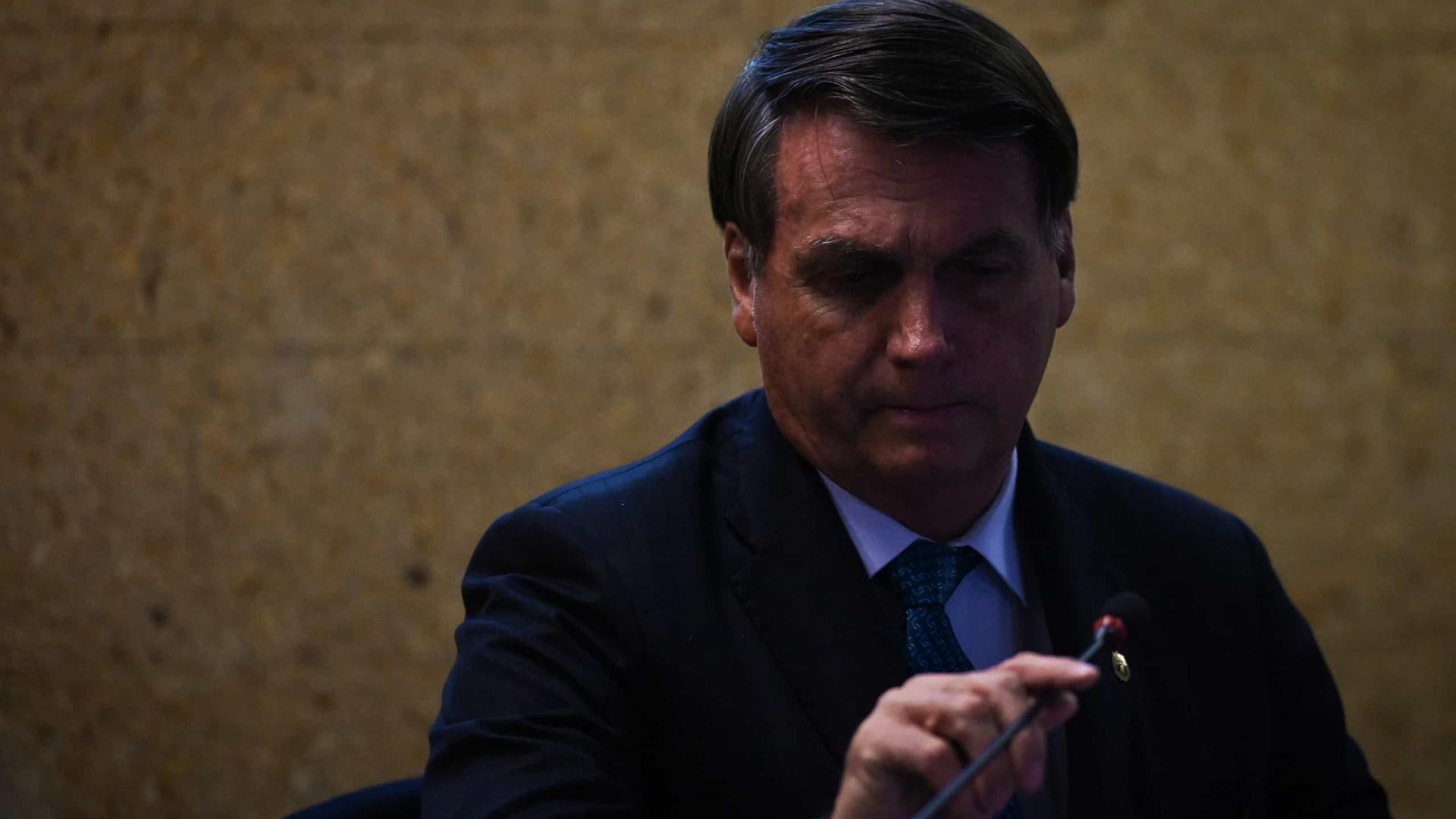 Juiz proíbe Bolsonaro de divulgar campanhas não embasadas em estudos científicos