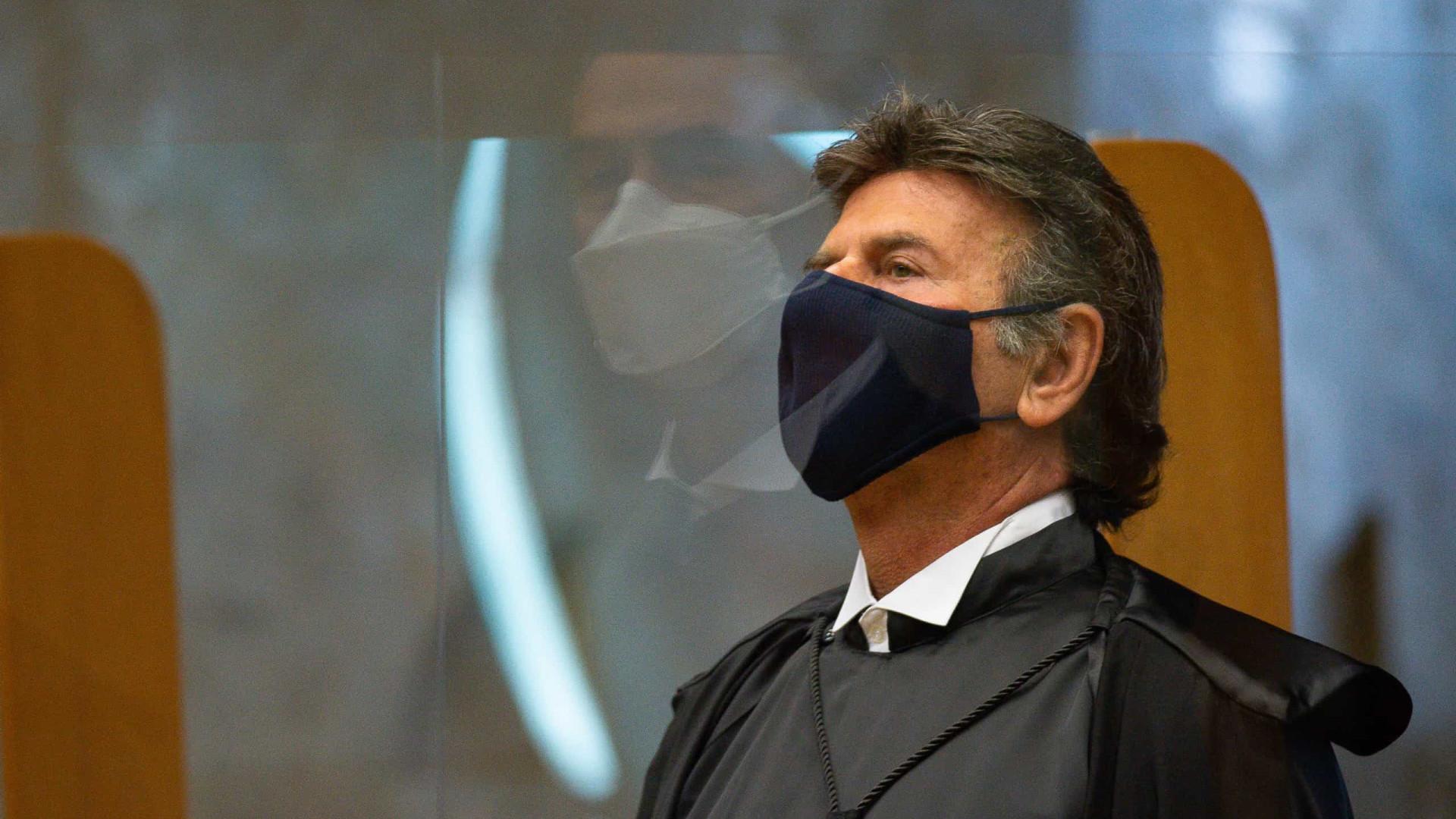 Celso de Mello parabeniza Fux por vacinação contra mentes obscurantistas