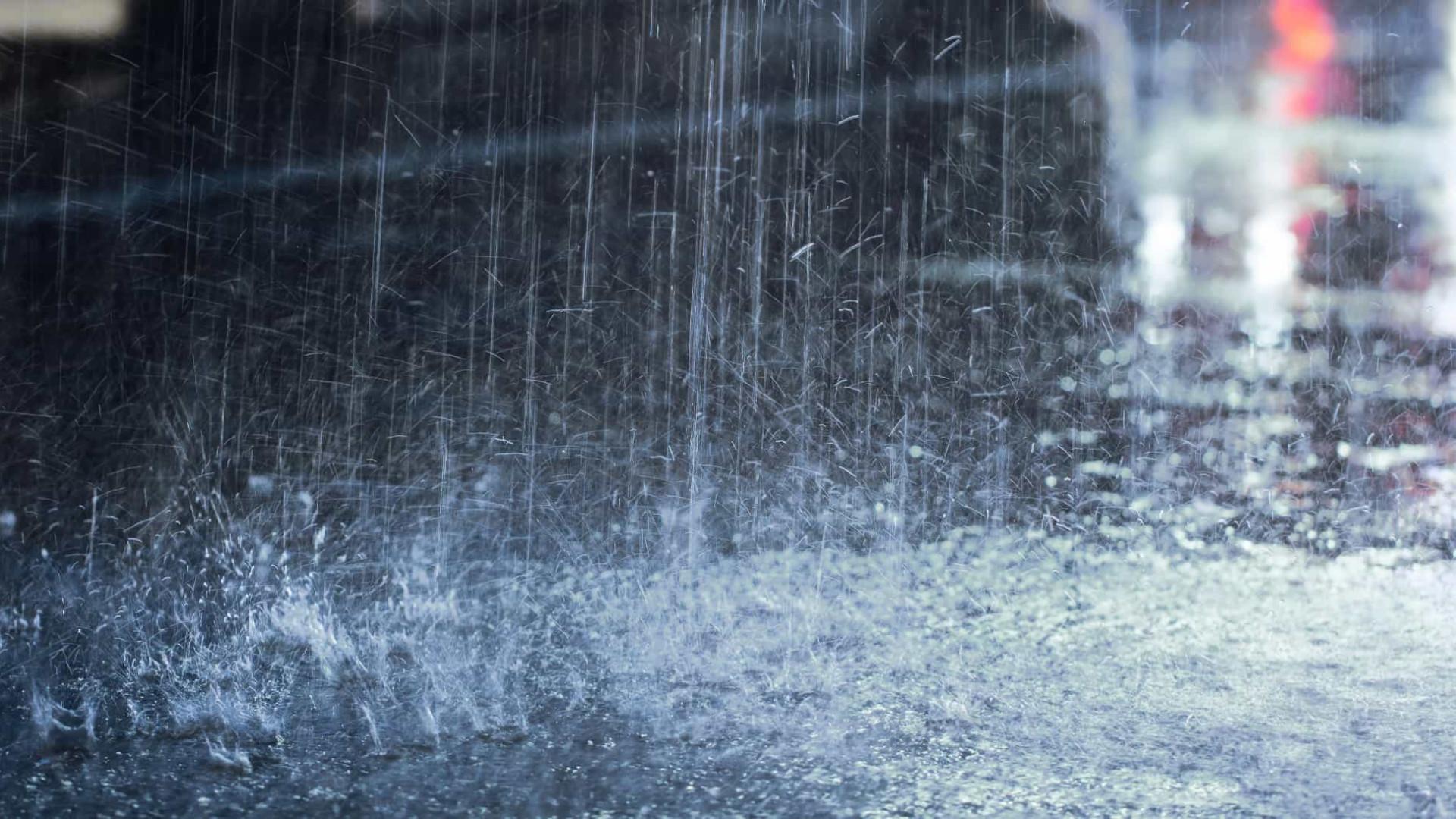 Grande volume de chuvas provoca estragos e alagamentos em Santa Catarina