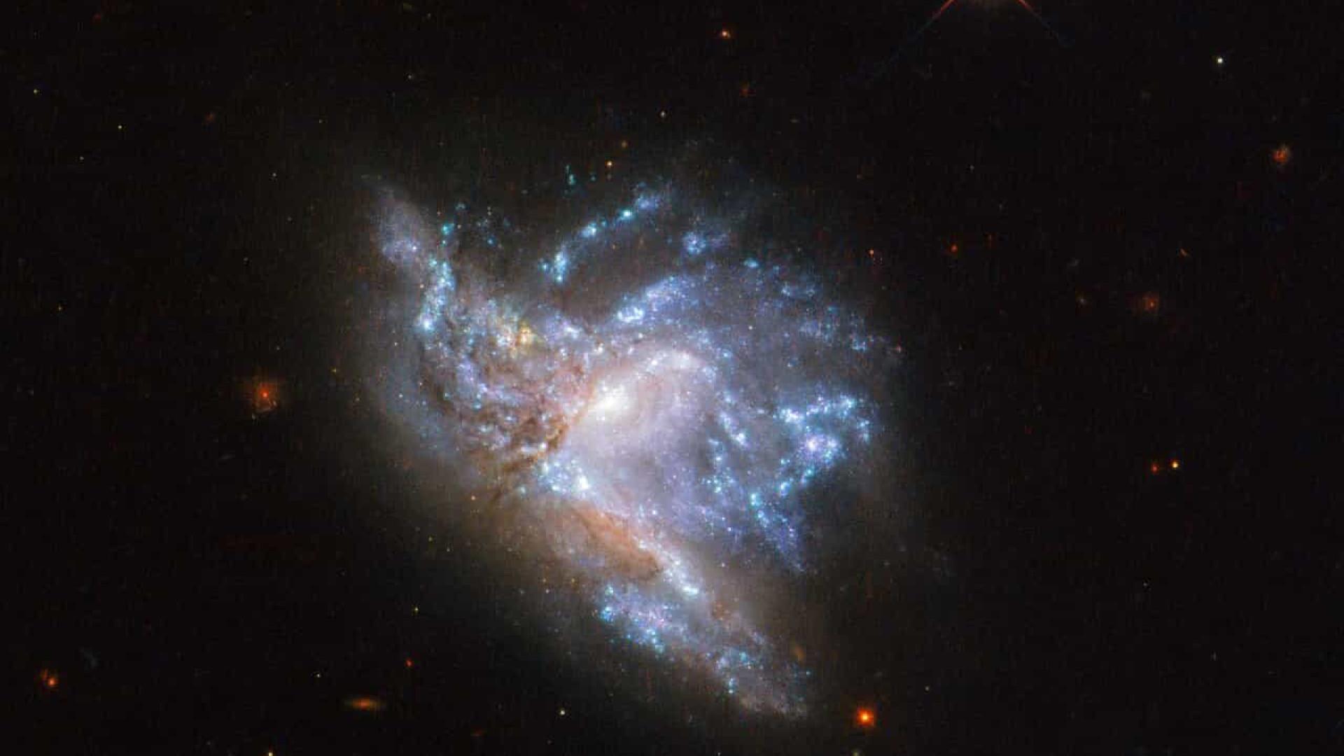 Hubble captou fotografias de colisões de galáxias. Veja as imagens