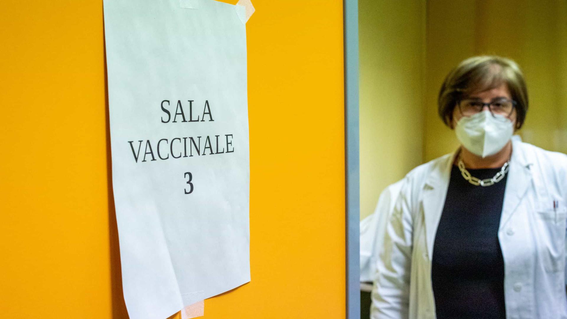 Itália notifica 12 mil novos casos e 448 óbitos nas últimas 24 horas