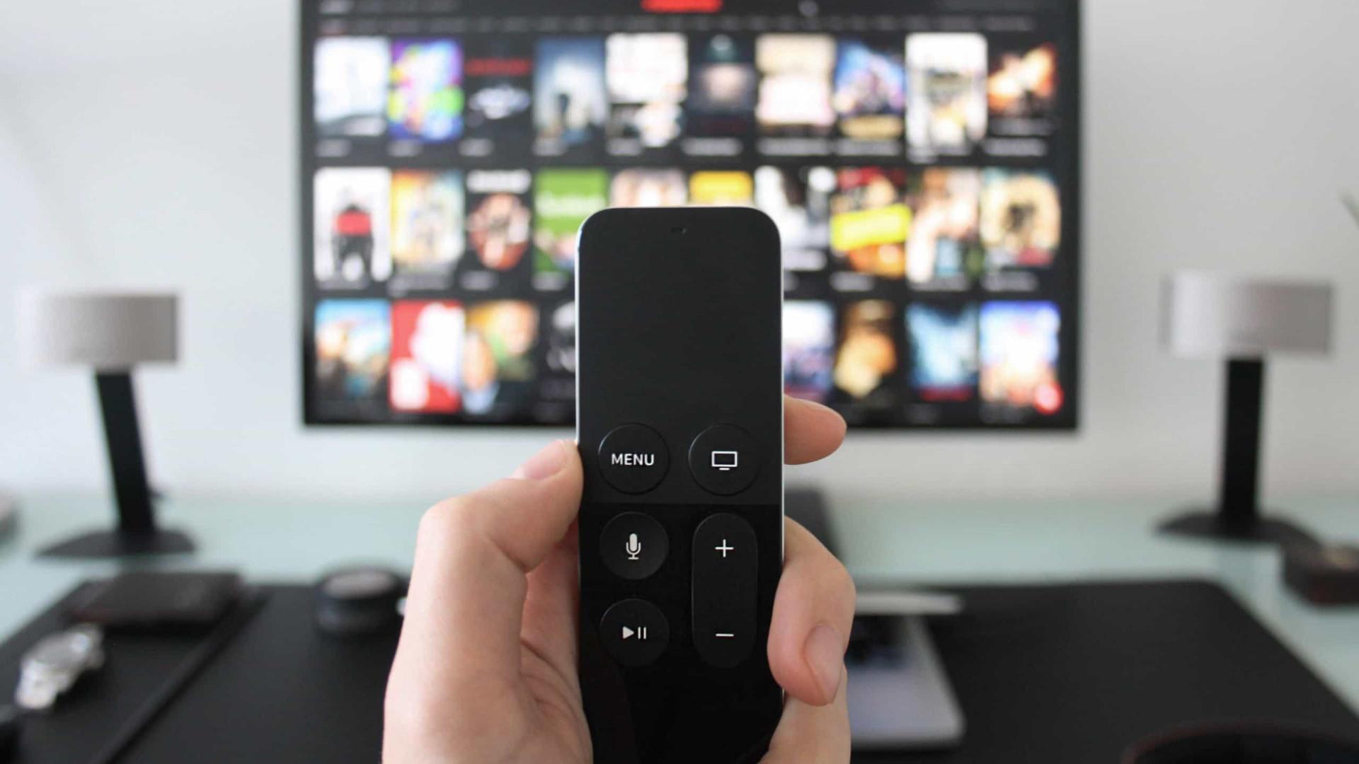 Menos pessoas assistem à TV, mas nem todas migraram para o streaming