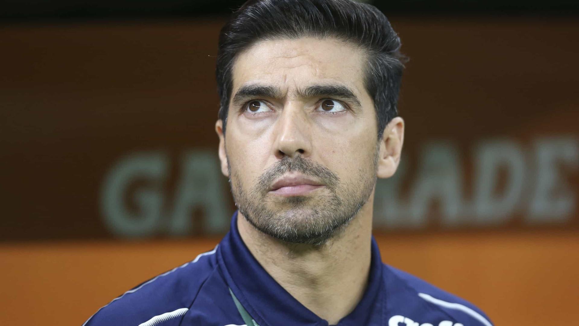 Abel Ferreira mantém pés no chão: 'Não ganhamos nada, mas nos dá consistência'