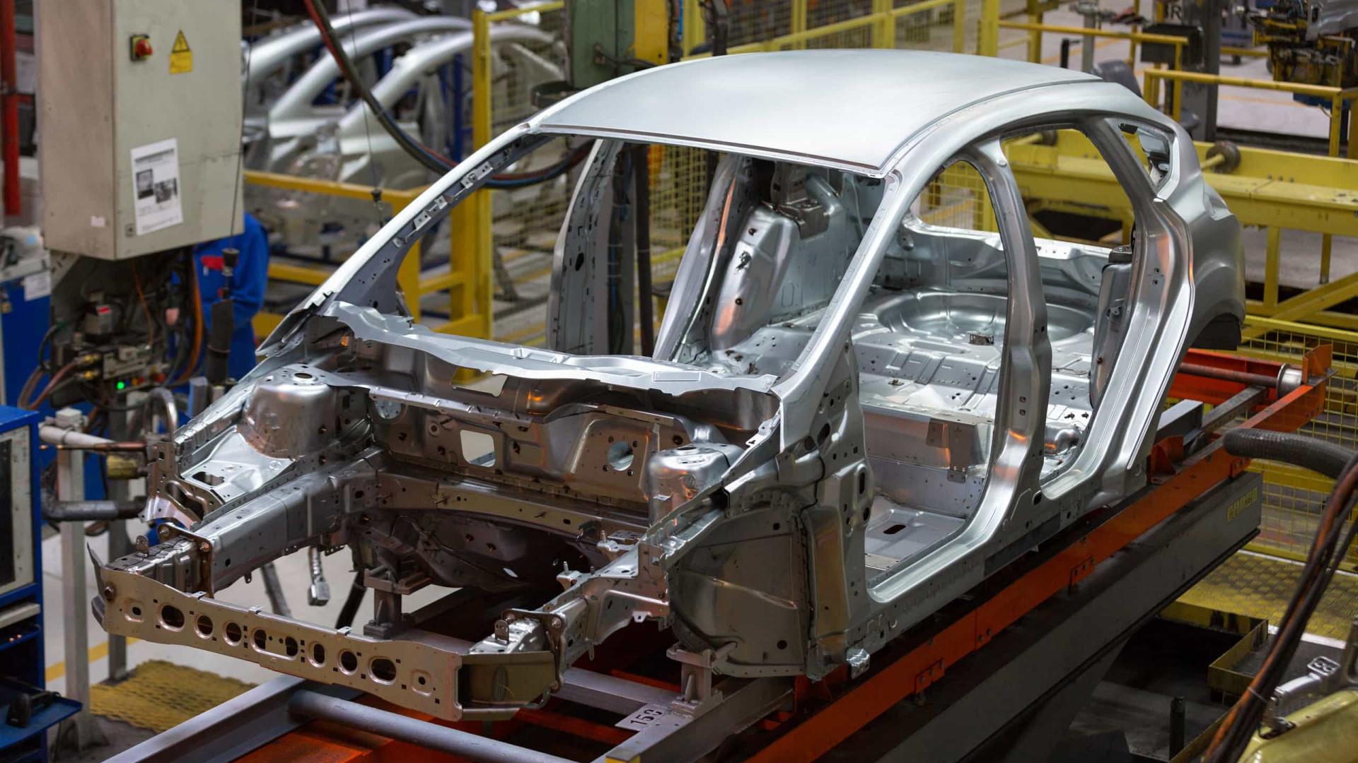 Ford adota na região produção terceirizada de veículos