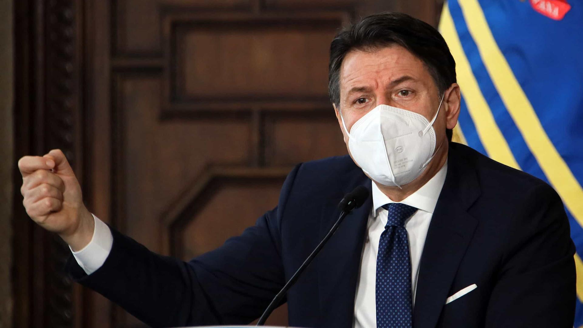 Renúncia de ministras mergulha Itália em crise política e ameaça primeiro-ministro