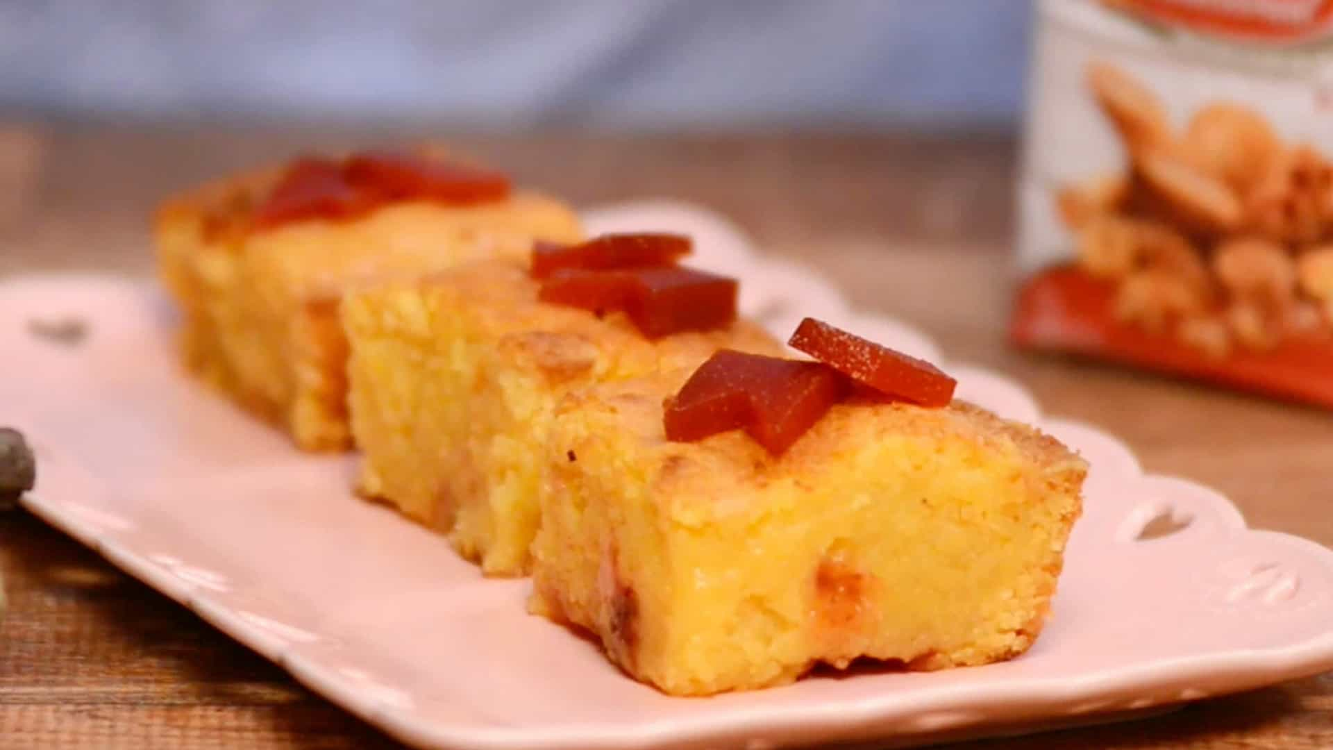 Aprenda a preparar um Brownie de Milho com Goiabada e surpreenda a todos
