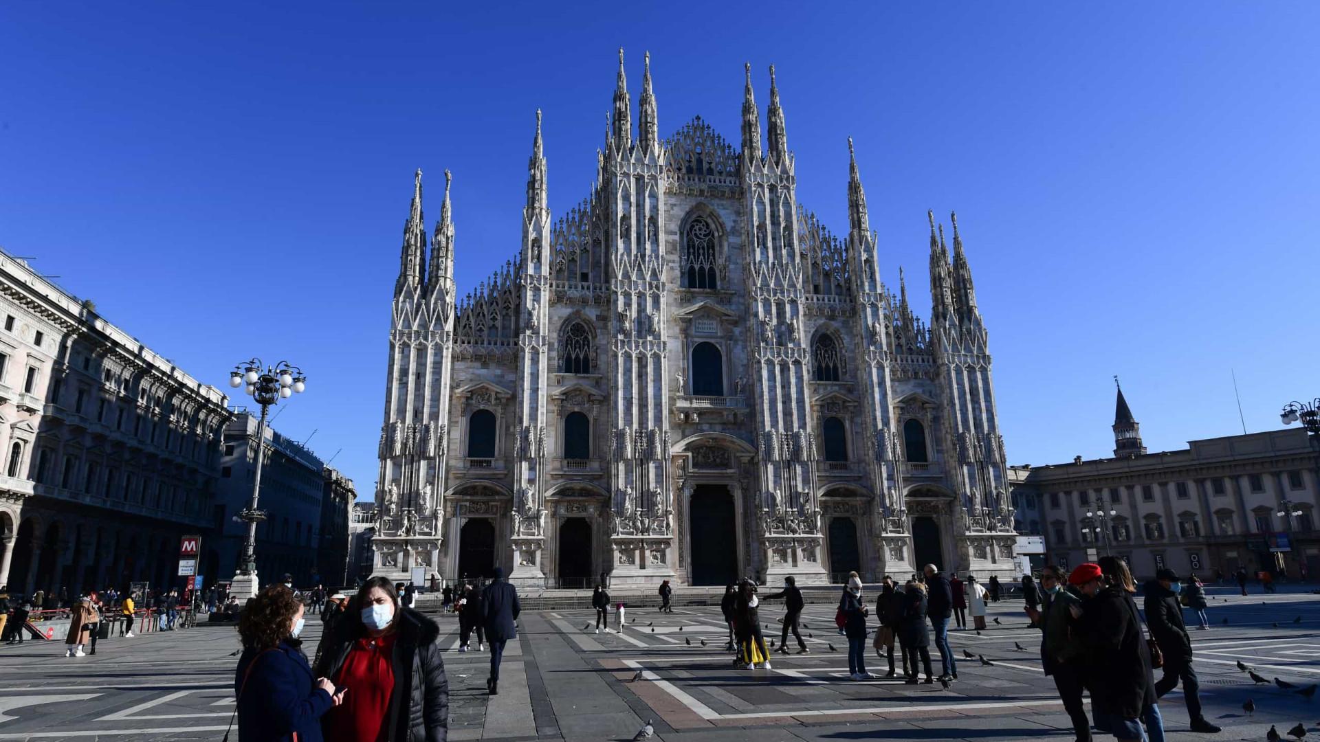 Itália com 17 mil novos casos e 522 óbitos. Taxa de positividade sobe