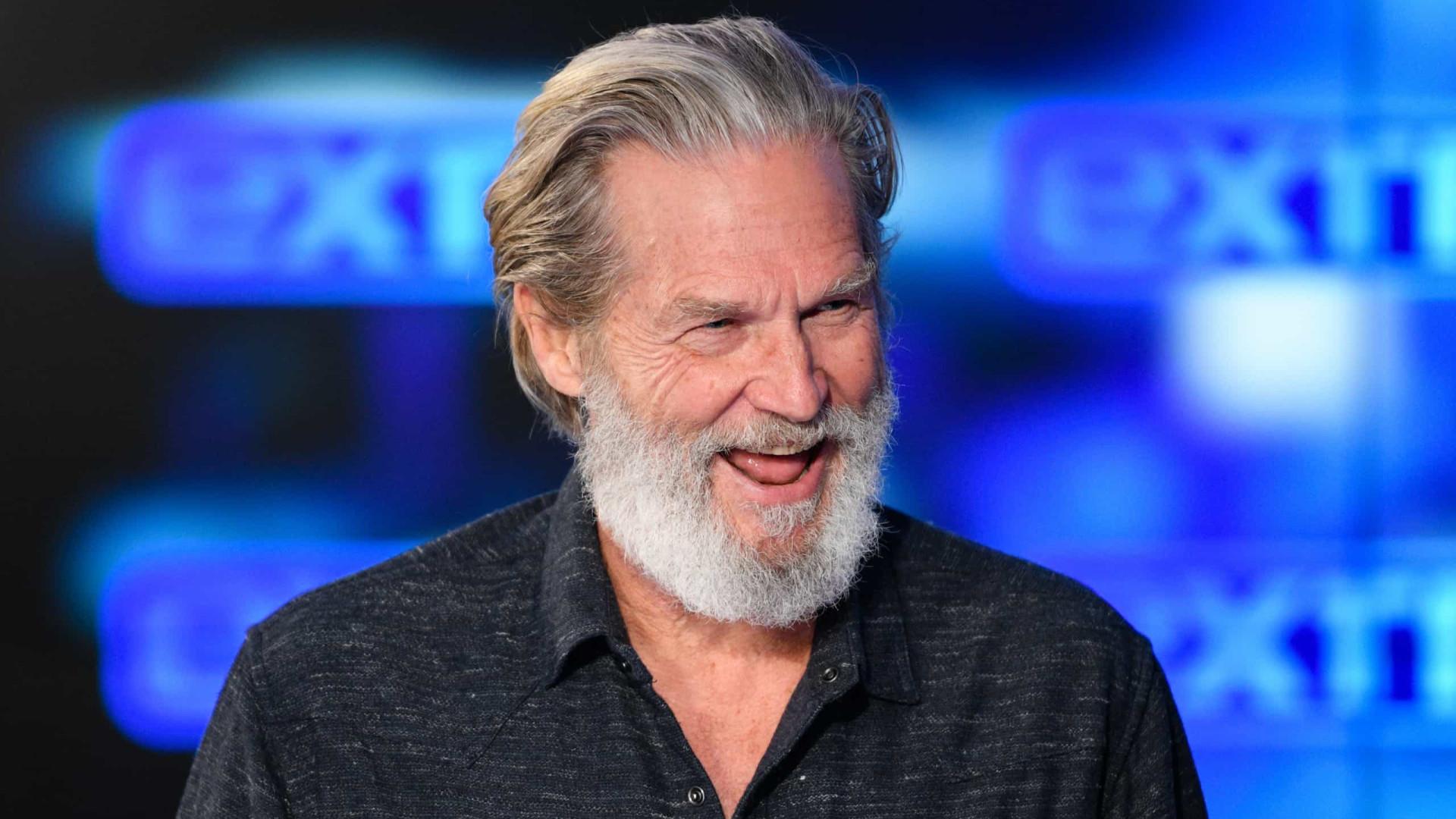 Jeff Bridges diz que câncer está em remissão e fala da Covid-19