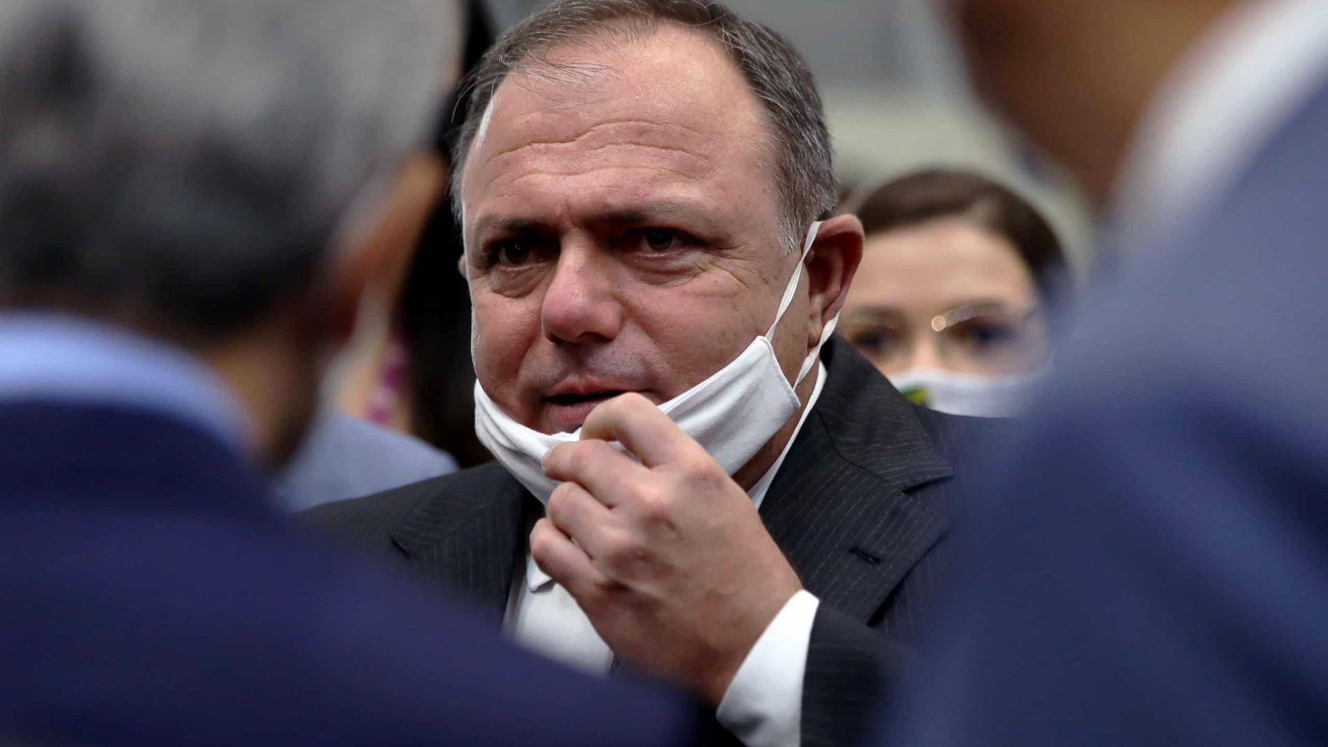 Pazuello adiar ida à CPI 'foi a pior das estratégias', diz Randolfe Rodrigues