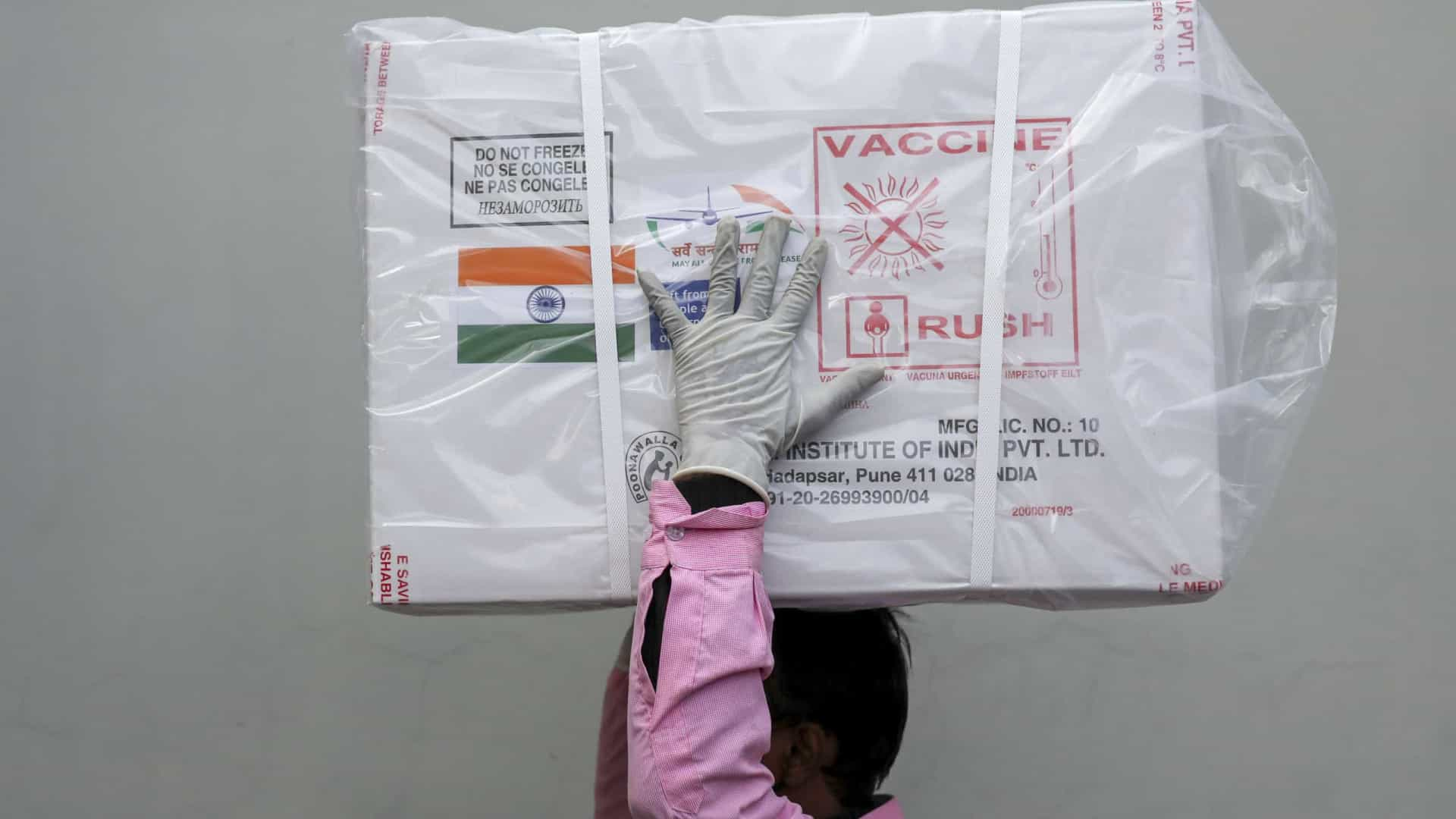 Índia promete mais vacinas contra Covid-19 e diz que 'salvou humanidade de tragédia'