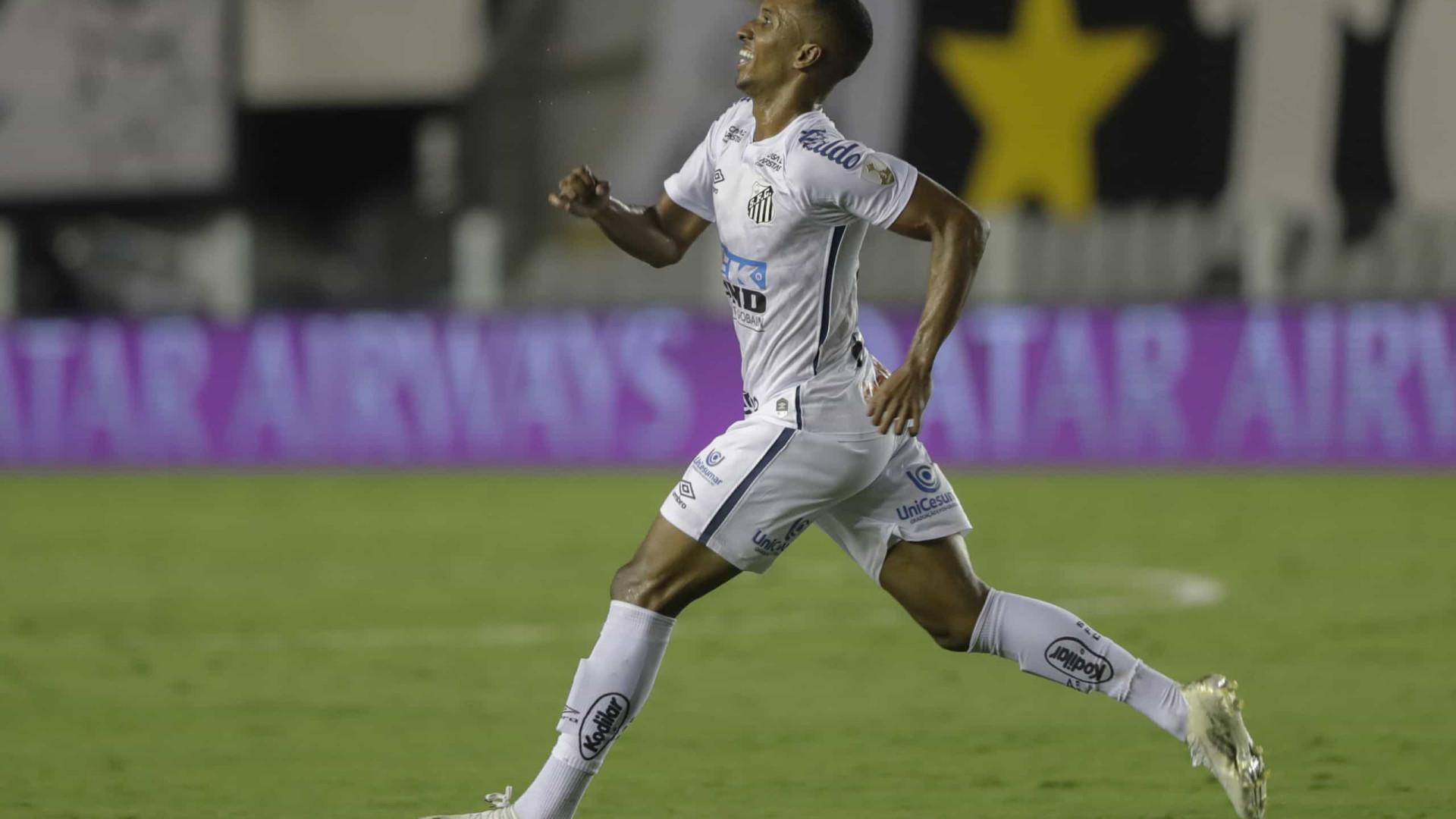 Lucas Braga lamenta e diz que faltou eficiência ao Santos em derrota