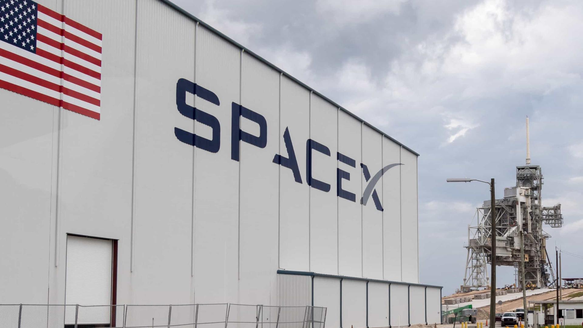 SpaceX decidiu adiar lançamento de protótipo do seu novo foguete