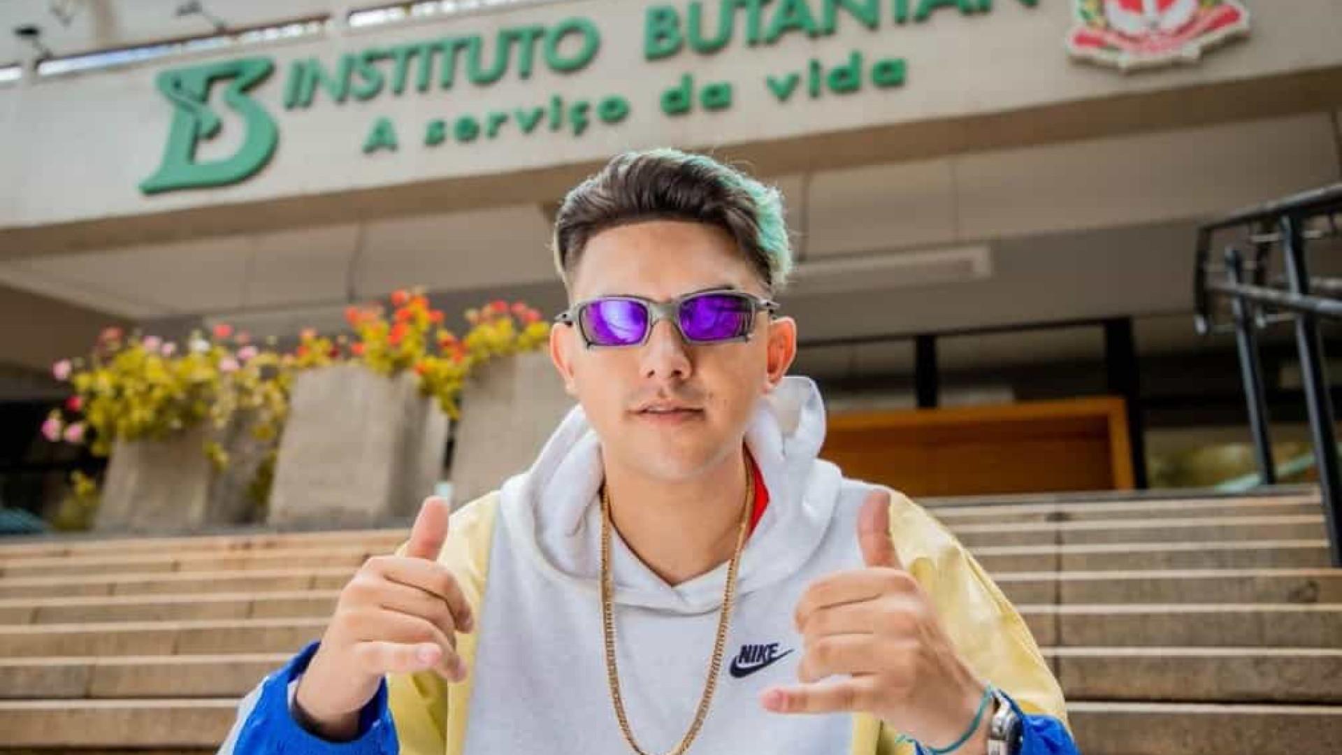 MC Fioti lança clipe com versão CoronaVac de 'Bum Bum Tam Tam'