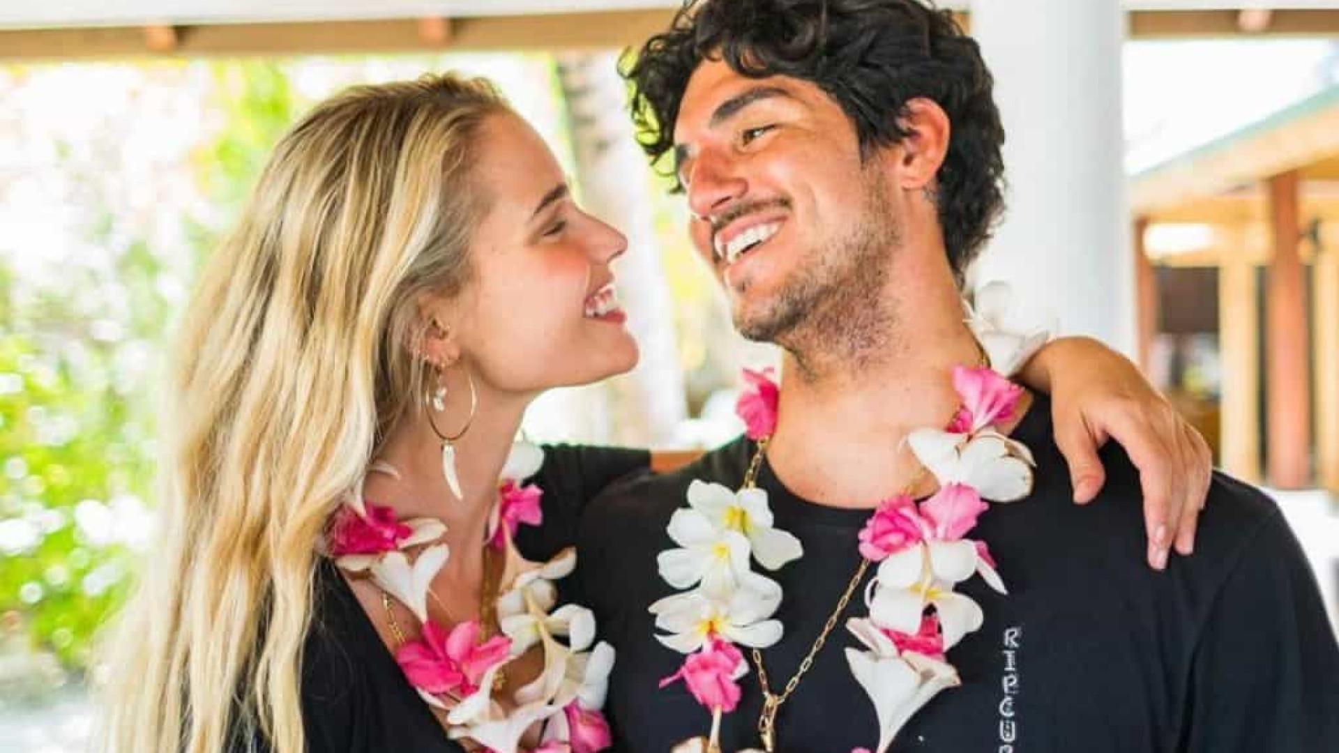Yasmin Brunet e Gabriel Medina se casam no Havaí, diz colunista