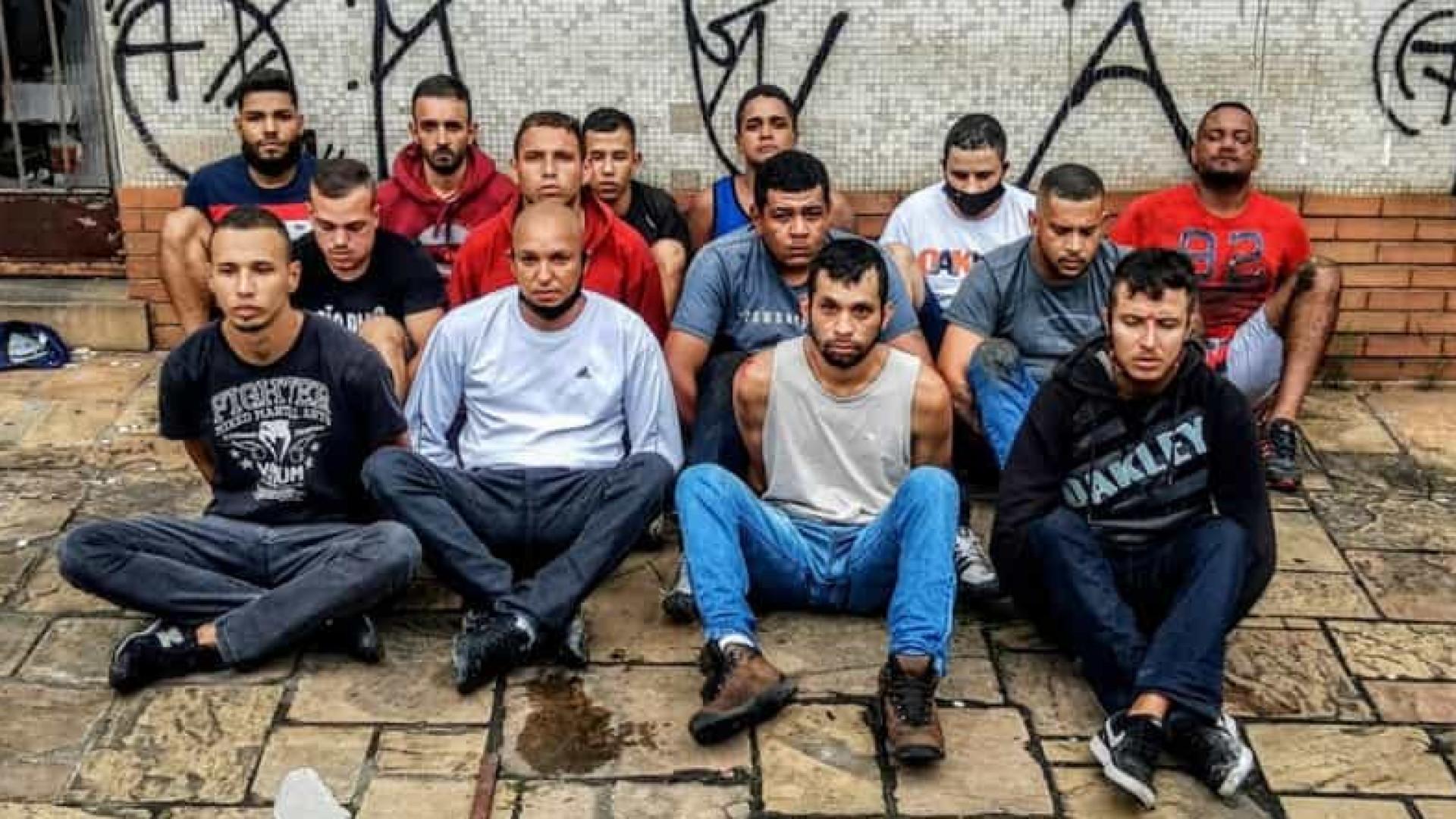 Juíza mantém cinco são-paulinos detidos após emboscada e ataque a ônibus do time