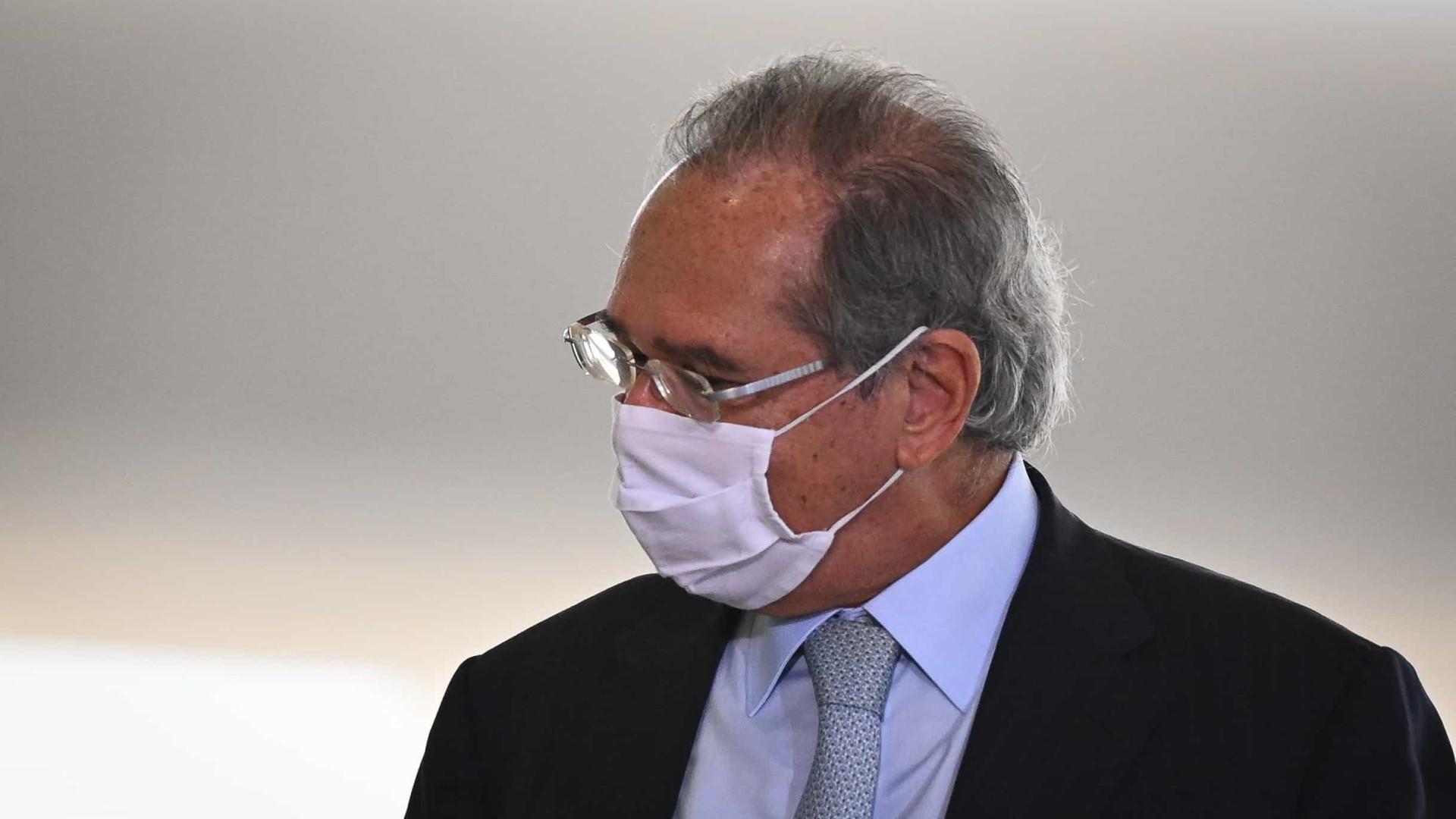 'Vamos limpar a pauta, destravando o horizonte de investimentos', diz Guedes