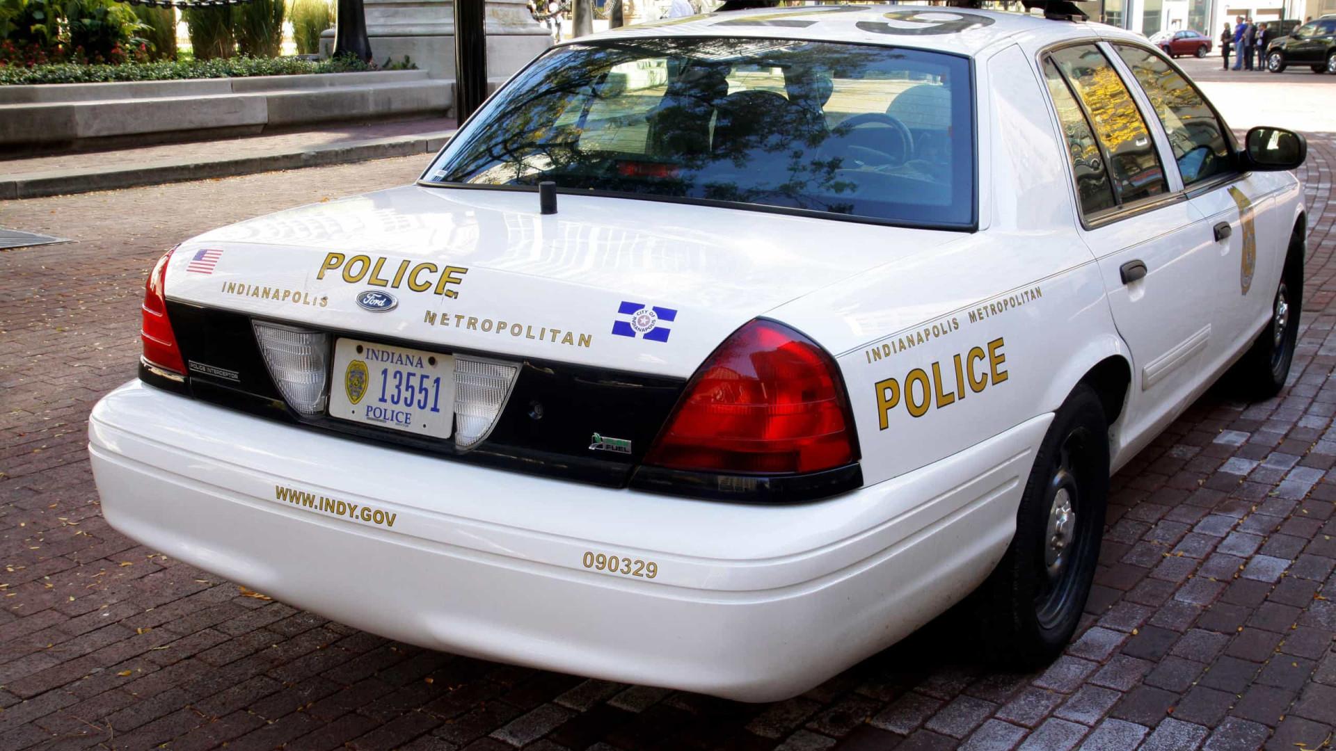 Jovem se desentende com pai e mata familiares em Indianapolis