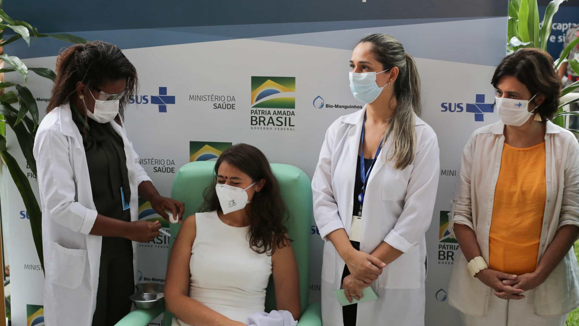 Número de vacinados contra a covid-19 no Brasil chega a 844 mil