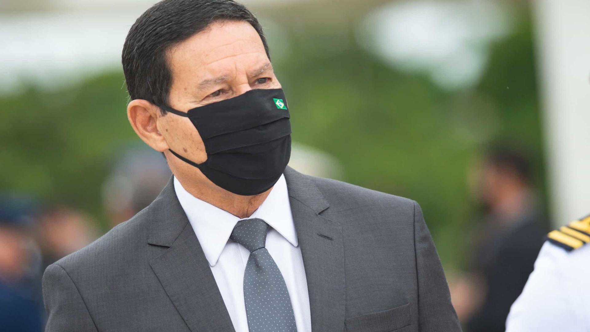 """Mourão afirma que notícias sobre gastos do governo com alimentos é """"pura fumaça"""""""