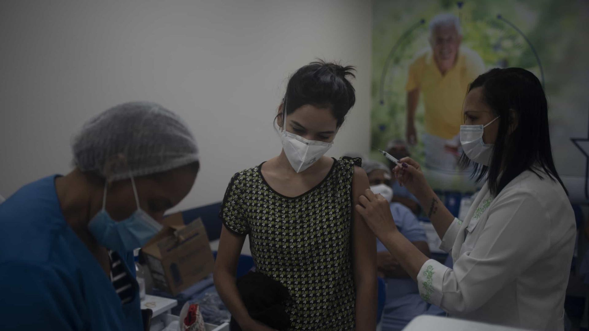 Mais de 1,2 milhão de pessoas já receberam vacina contra Covid no Brasil