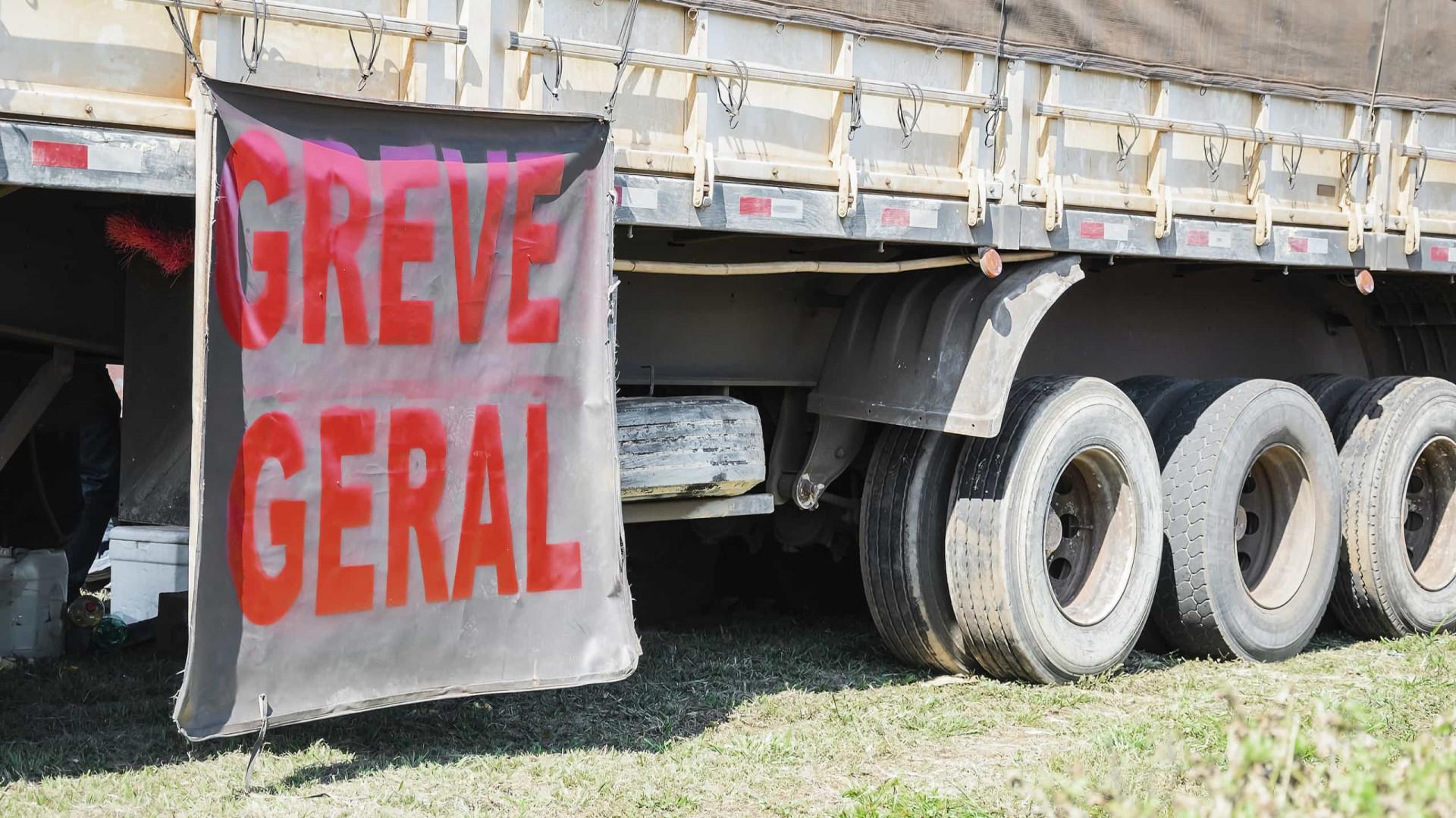 Caminhoneiros podem parar após nova alta do preço do diesel