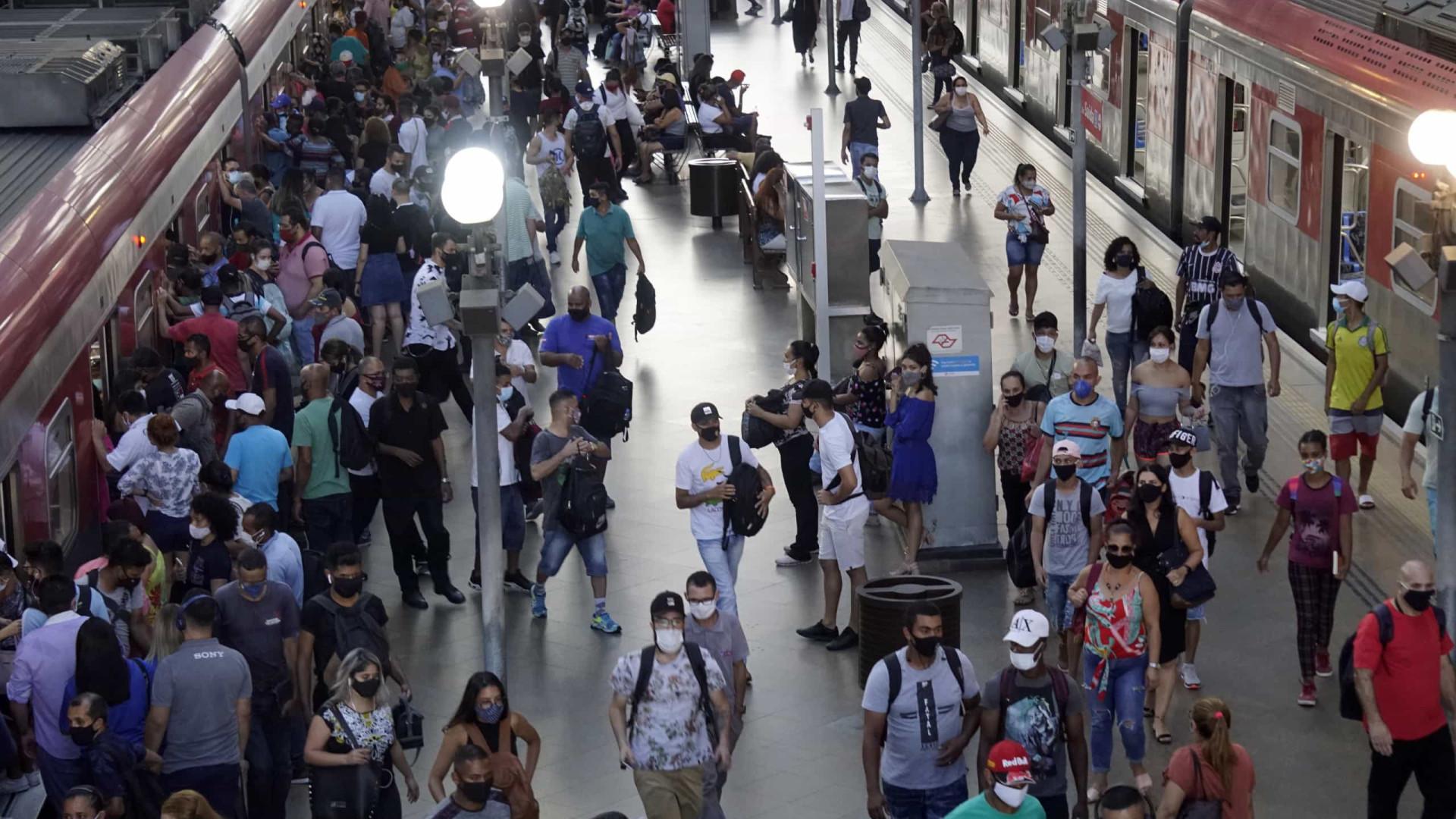 Brasil registra média móvel de 1.062 mortes por covid-19