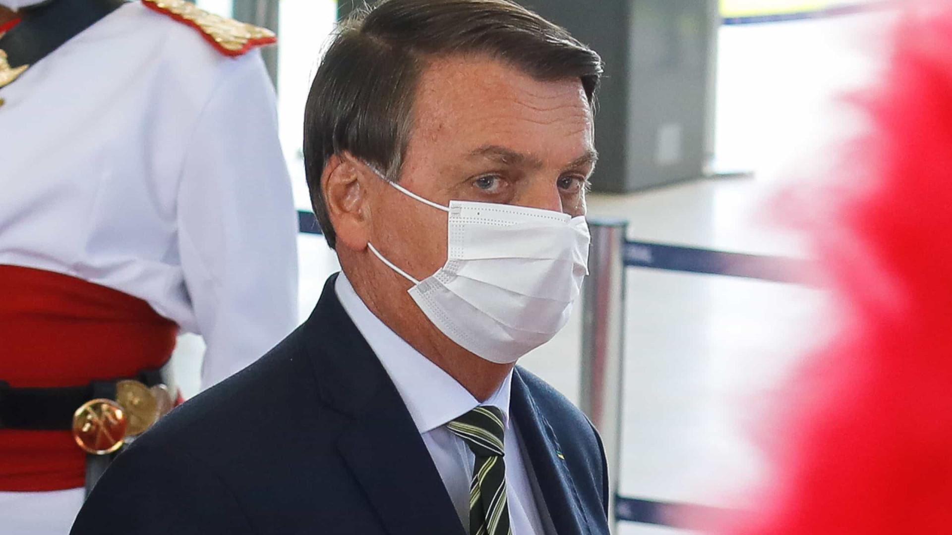 Bolsonaro pressiona senador a pedir abertura de impeachment de ministros do STF
