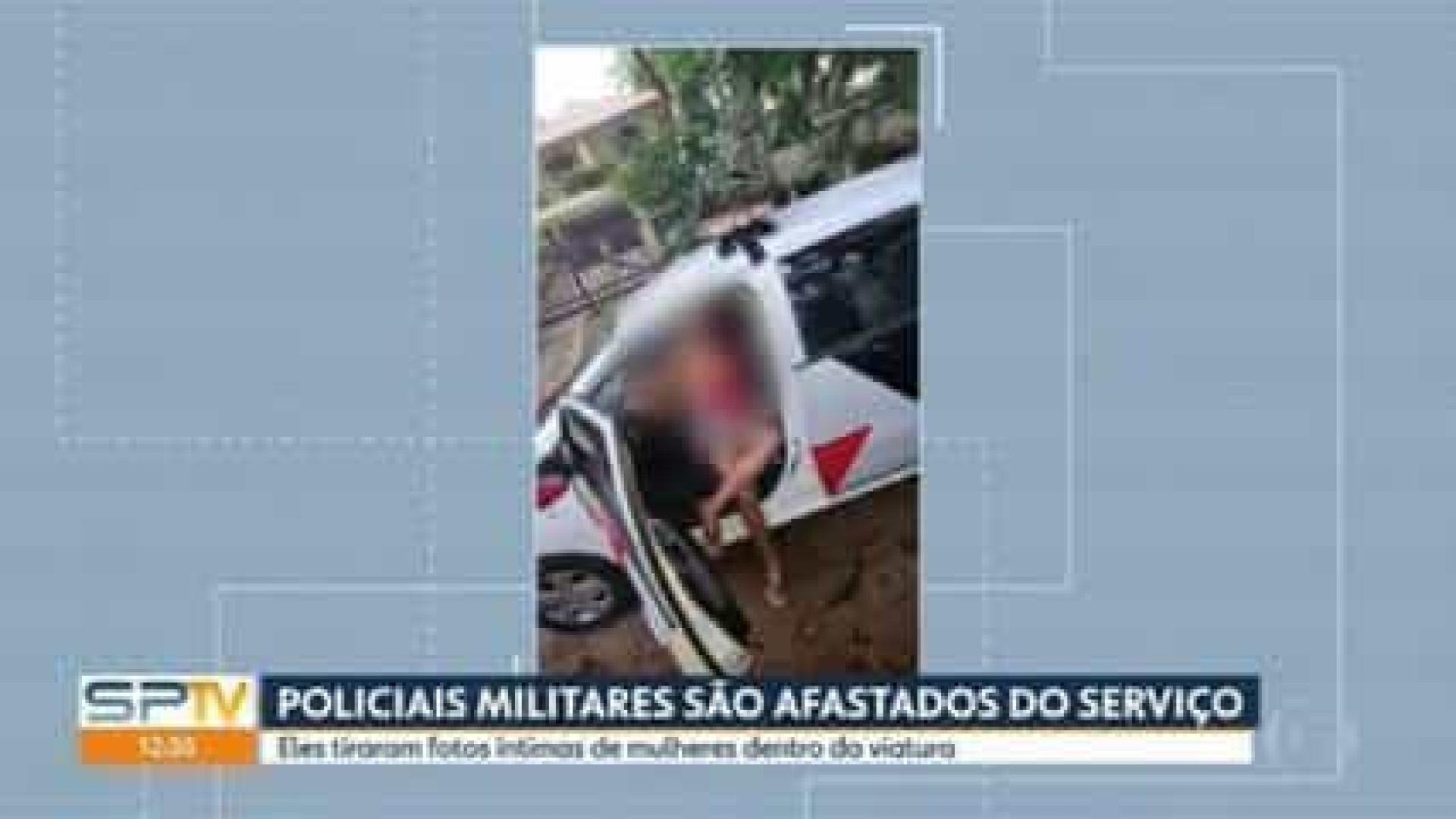 PM paulista afasta soldados por foto de mulheres com seios à mostra em viatura