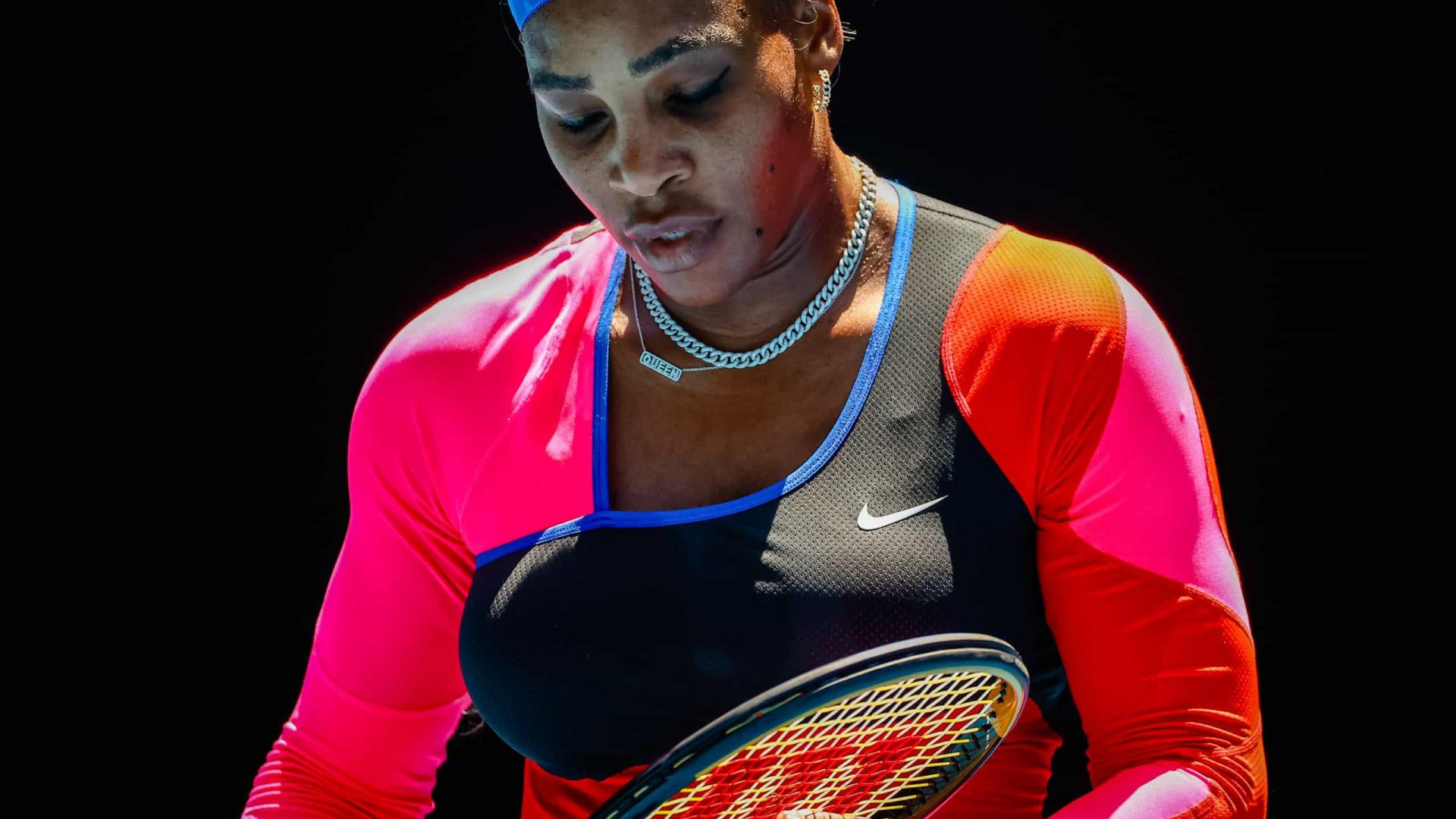 Serena sofre, mas avança às oitavas do Aberto da Austrália; Halep espanta zebra