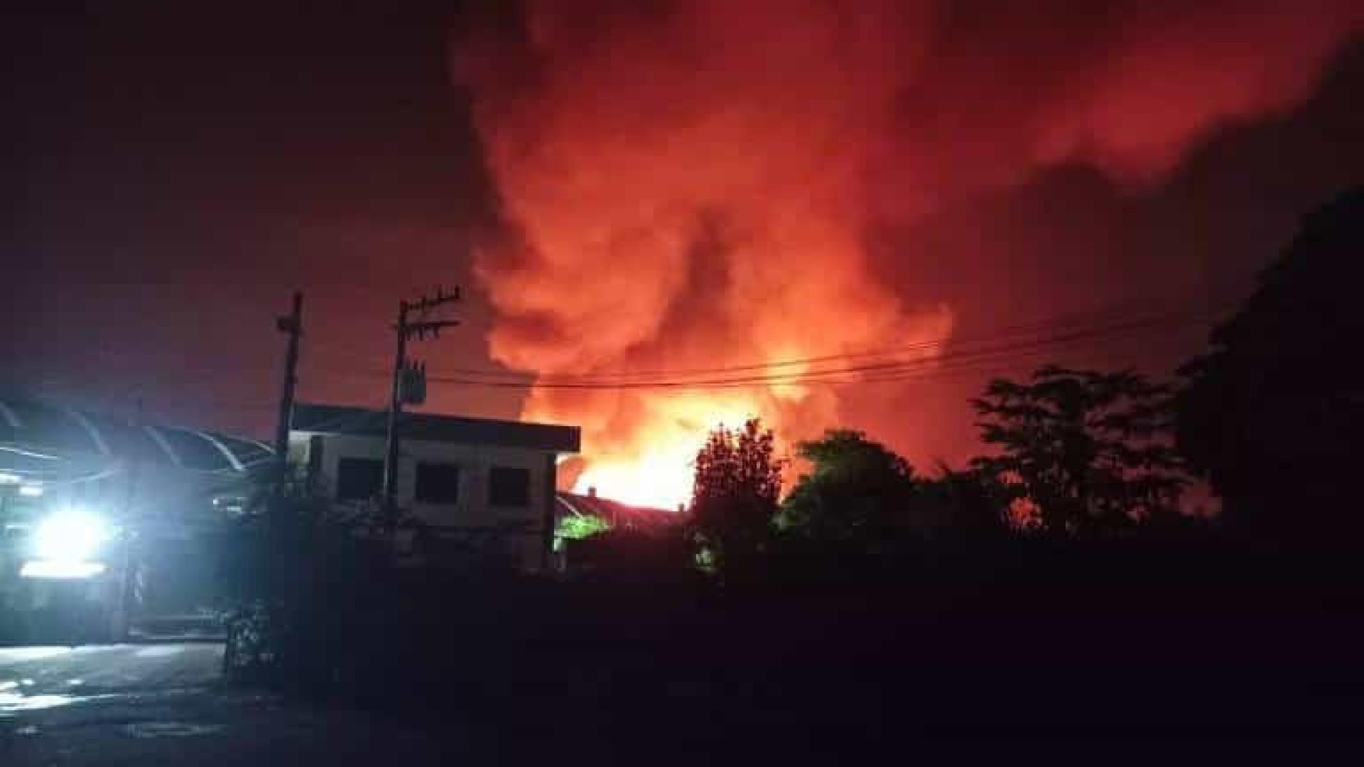 Explosão atinge fábrica de cerâmica em Limeira